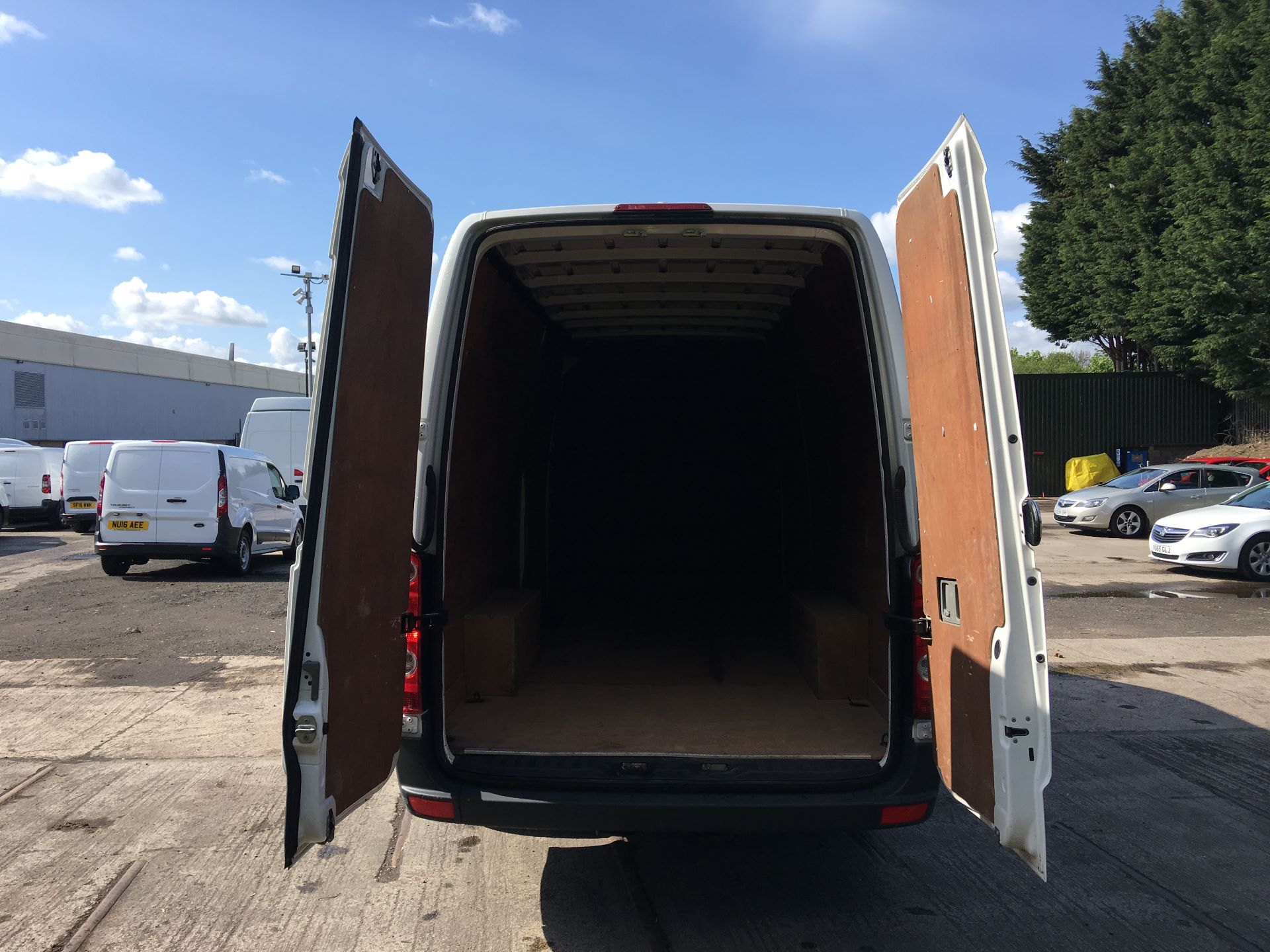 2016 Volkswagen Crafter CR35 LWB 2.0 TDI 136PS HIGH ROOF EURO 5 (GC16XTY) Image 17