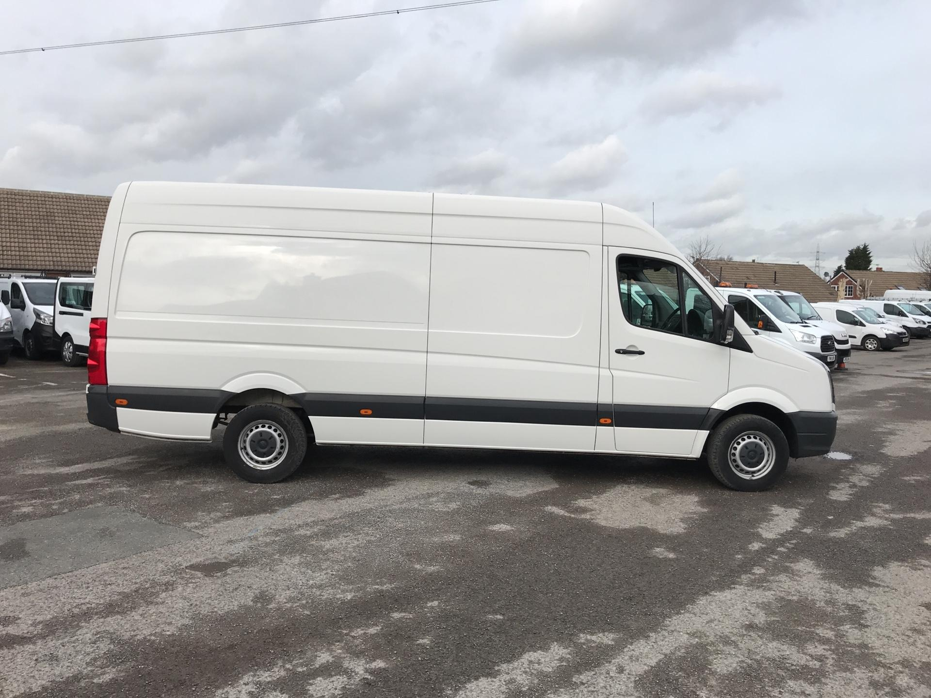 2016 Volkswagen Crafter  CR35 LWB 2.0 TDI 136PS HIGH ROOF EURO 5 (GC16XUD) Image 2