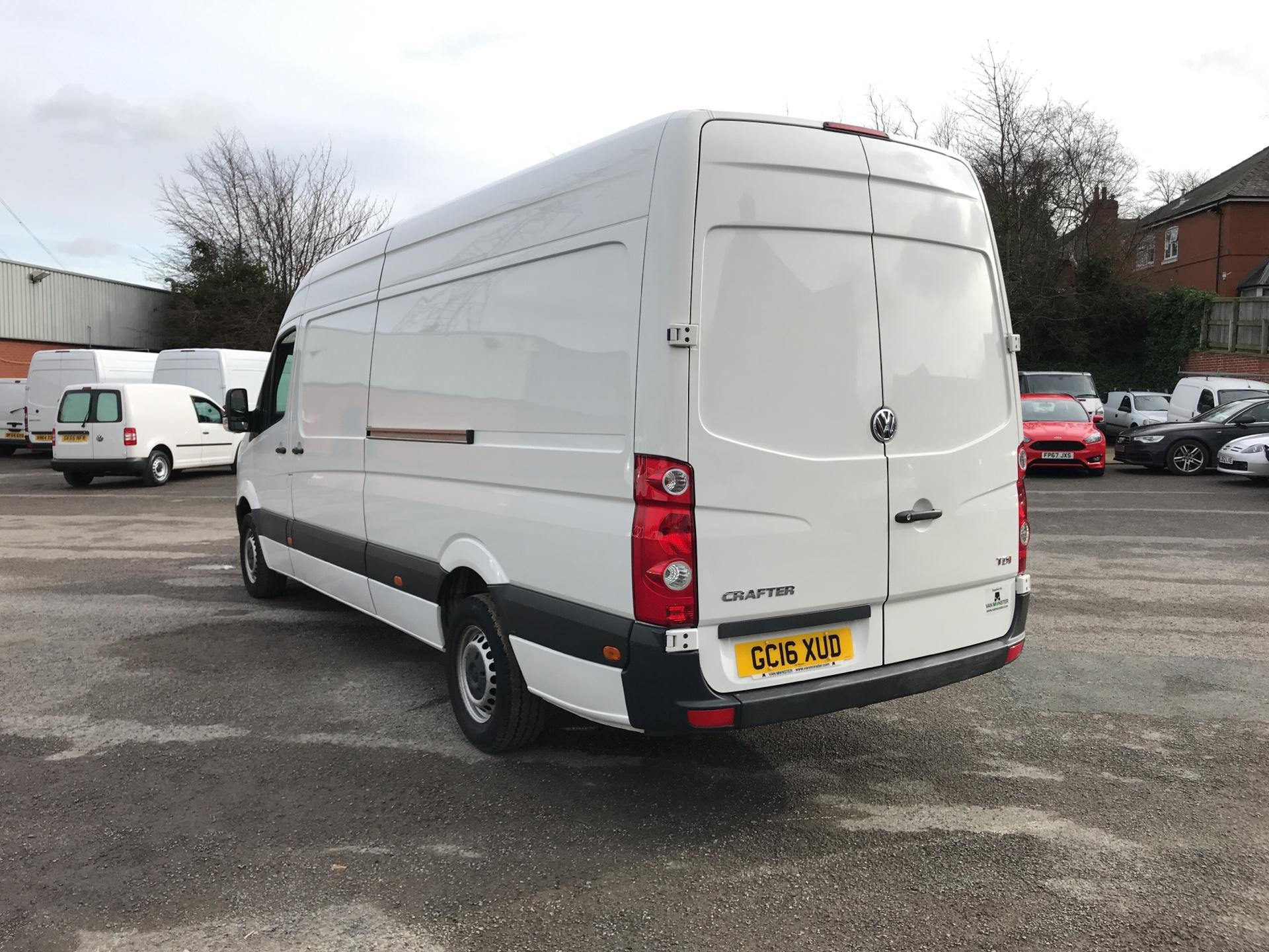 2016 Volkswagen Crafter  CR35 LWB 2.0 TDI 136PS HIGH ROOF EURO 5 (GC16XUD) Image 5
