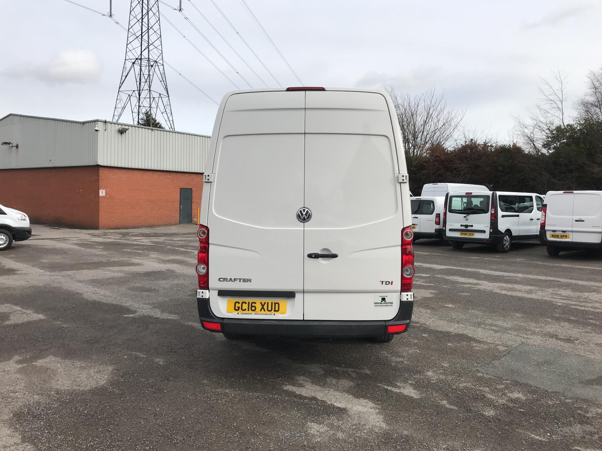 2016 Volkswagen Crafter  CR35 LWB 2.0 TDI 136PS HIGH ROOF EURO 5 (GC16XUD) Image 4