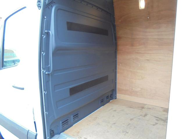 2016 Volkswagen Crafter 2.0 Tdi 136Ps High Roof Van (GC16YUN) Image 19