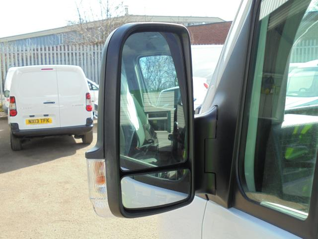 2016 Volkswagen Crafter CR35 2.0 Tdi 136Ps Single Cab LUTON WITH T/LIFT (GC16YWA) Image 11