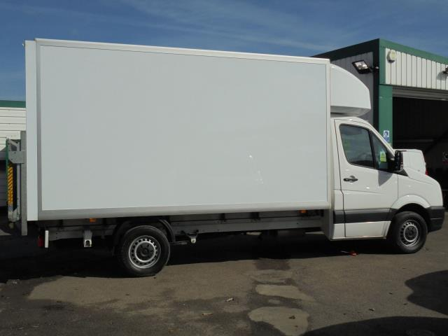 2016 Volkswagen Crafter CR35 2.0 Tdi 136Ps Single Cab LUTON WITH T/LIFT (GC16YWA) Image 9