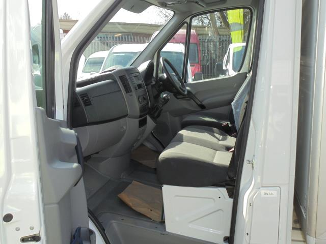2016 Volkswagen Crafter CR35 2.0 Tdi 136Ps Single Cab LUTON WITH T/LIFT (GC16YWA) Image 24