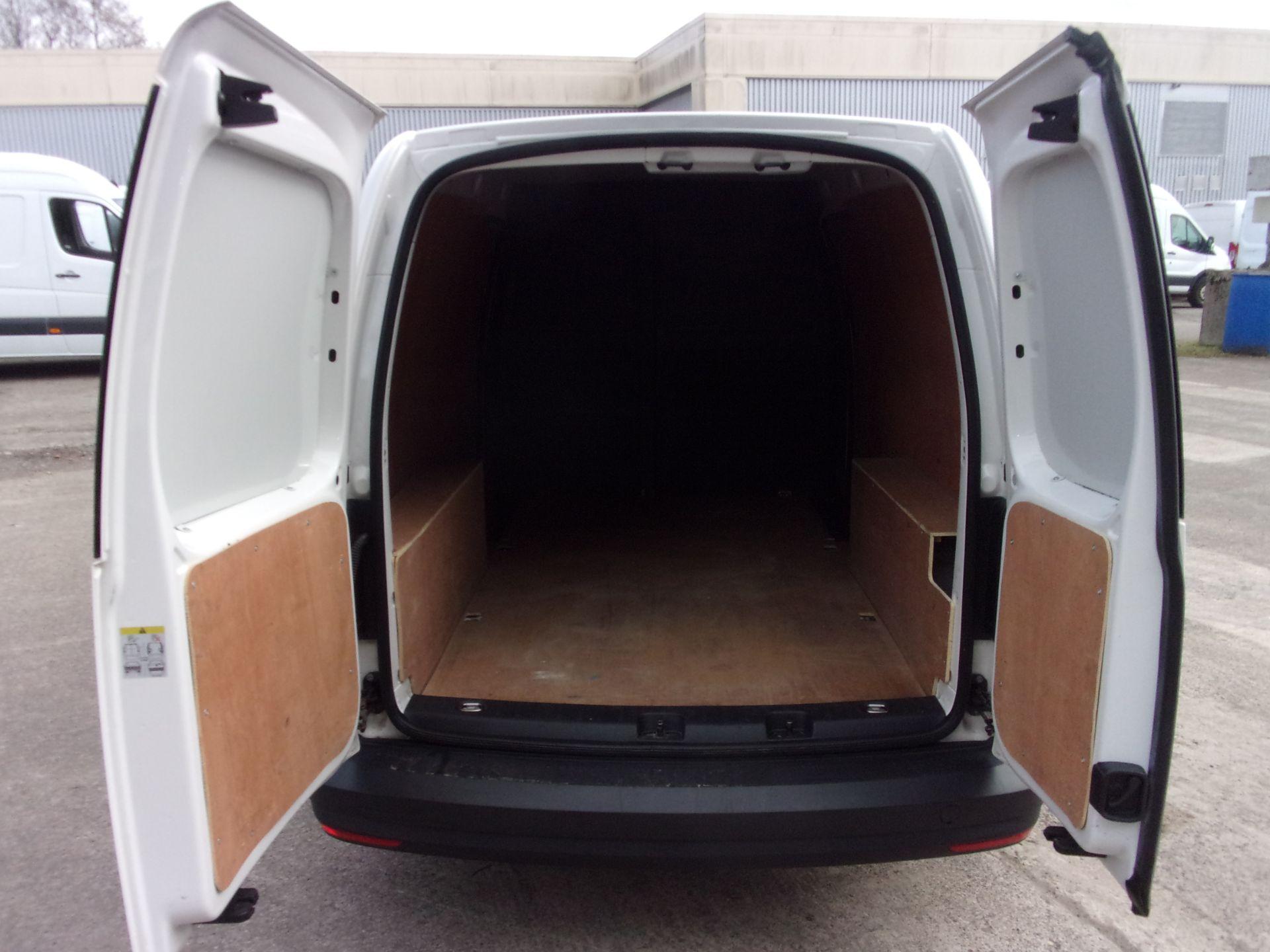 2017 Volkswagen Caddy Maxi 2.0 Tdi Bluemotion Tech 102Ps Startline Van (GC17CGG) Image 18