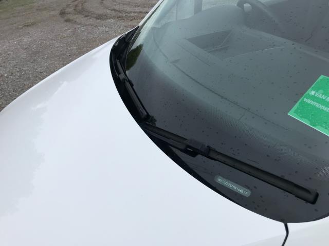 2017 Volkswagen Caddy  2.0 102PS BLUEMOTION TECH 102 STARTLINE EURO 6 (GC17YGM) Image 30
