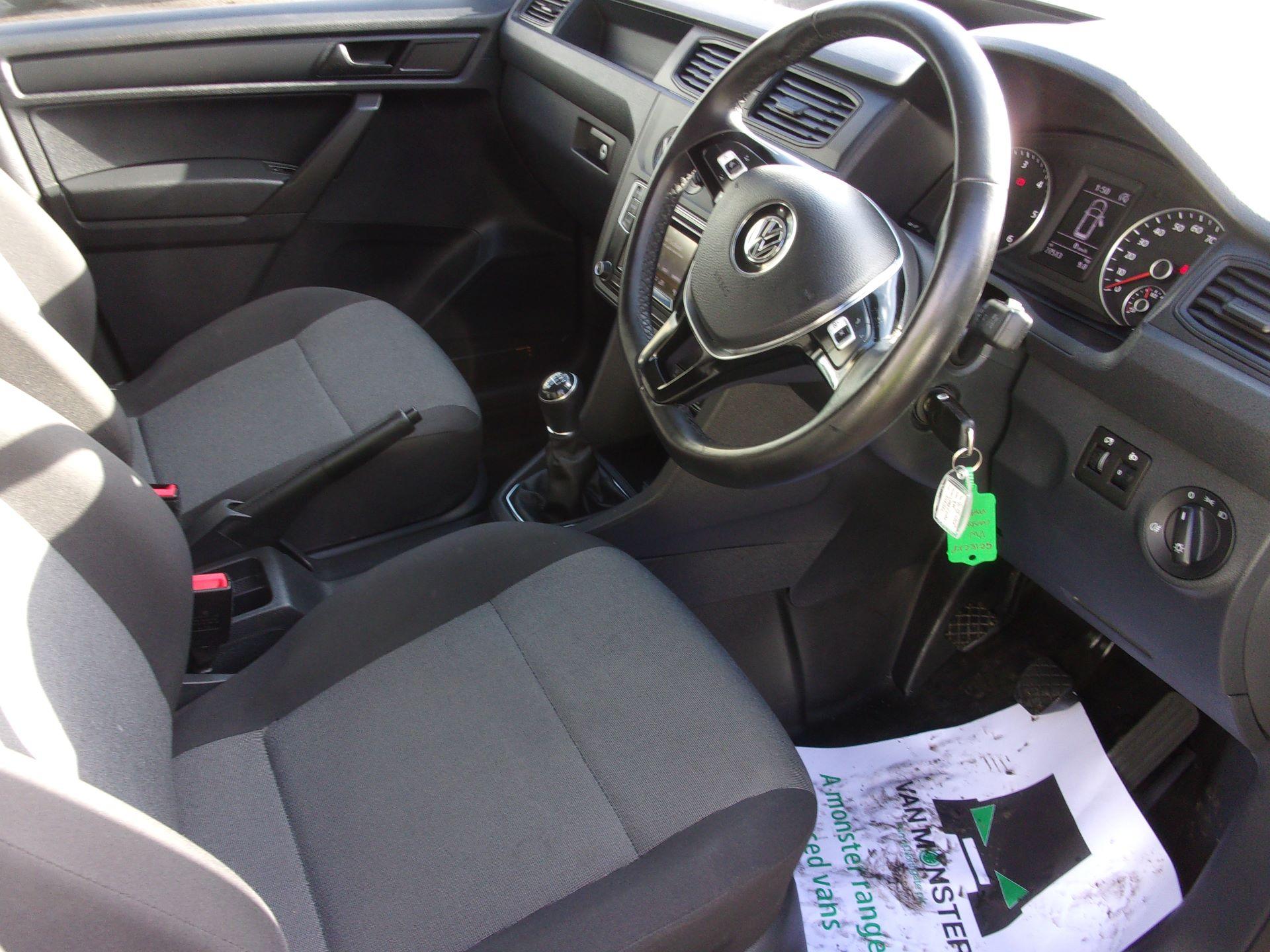 2018 Volkswagen Caddy Maxi C20 2.0 TDI 102PS BMT STARTLINE VAN EURO 6 (GC18CKP) Image 2