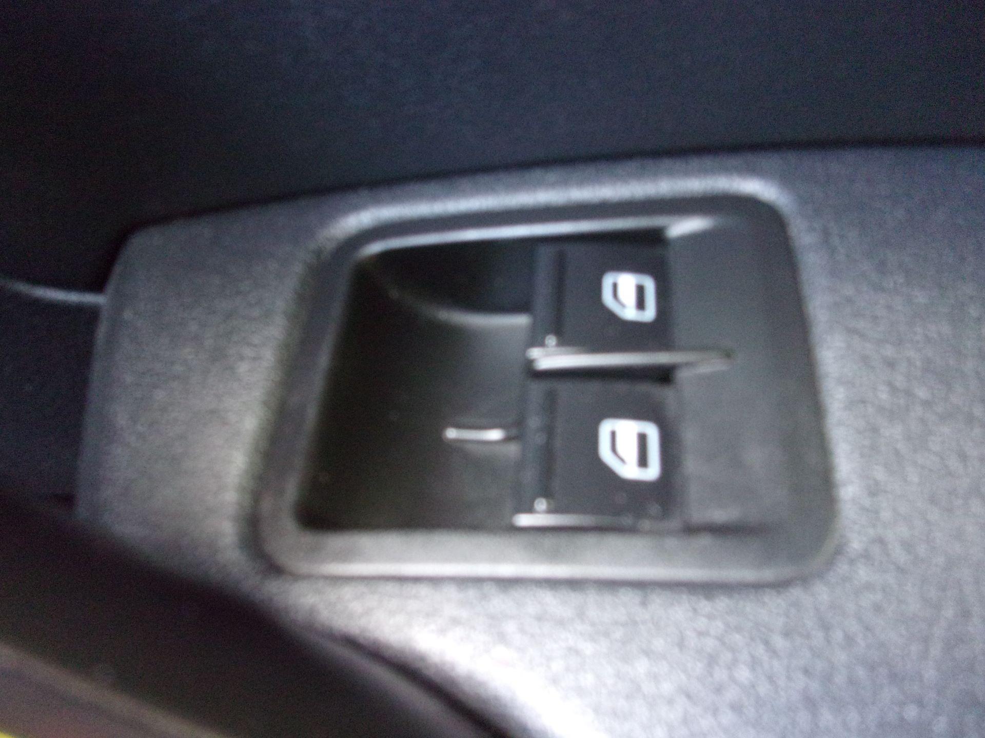 2018 Volkswagen Caddy Maxi C20 2.0 TDI 102PS BMT STARTLINE VAN EURO 6 (GC18CKP) Image 8