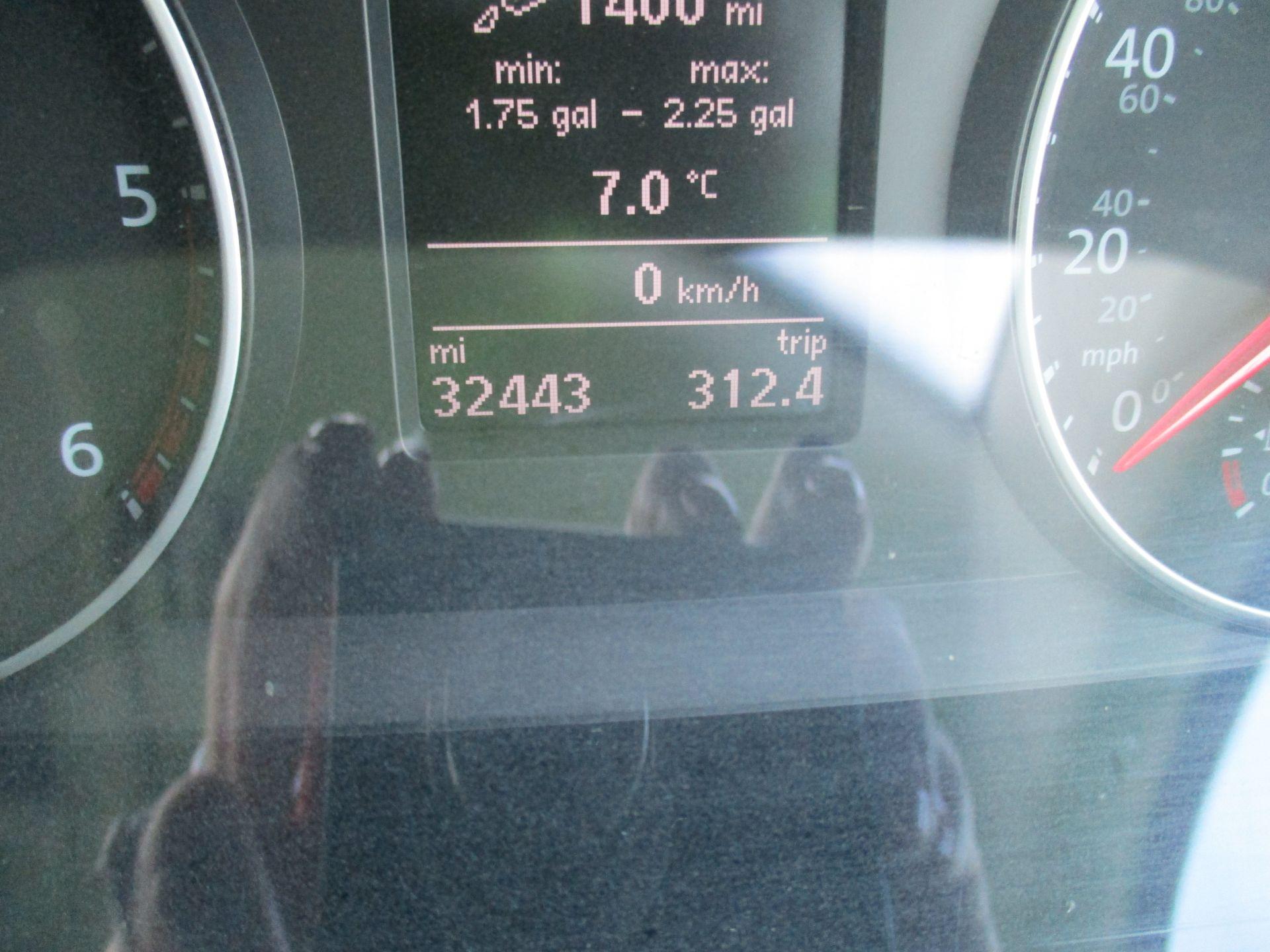2018 Volkswagen Transporter T30 LWB DIESEL 2.0 TDI BMT 102 STARTLINE VAN EURO 6 (GC18CVN) Image 18