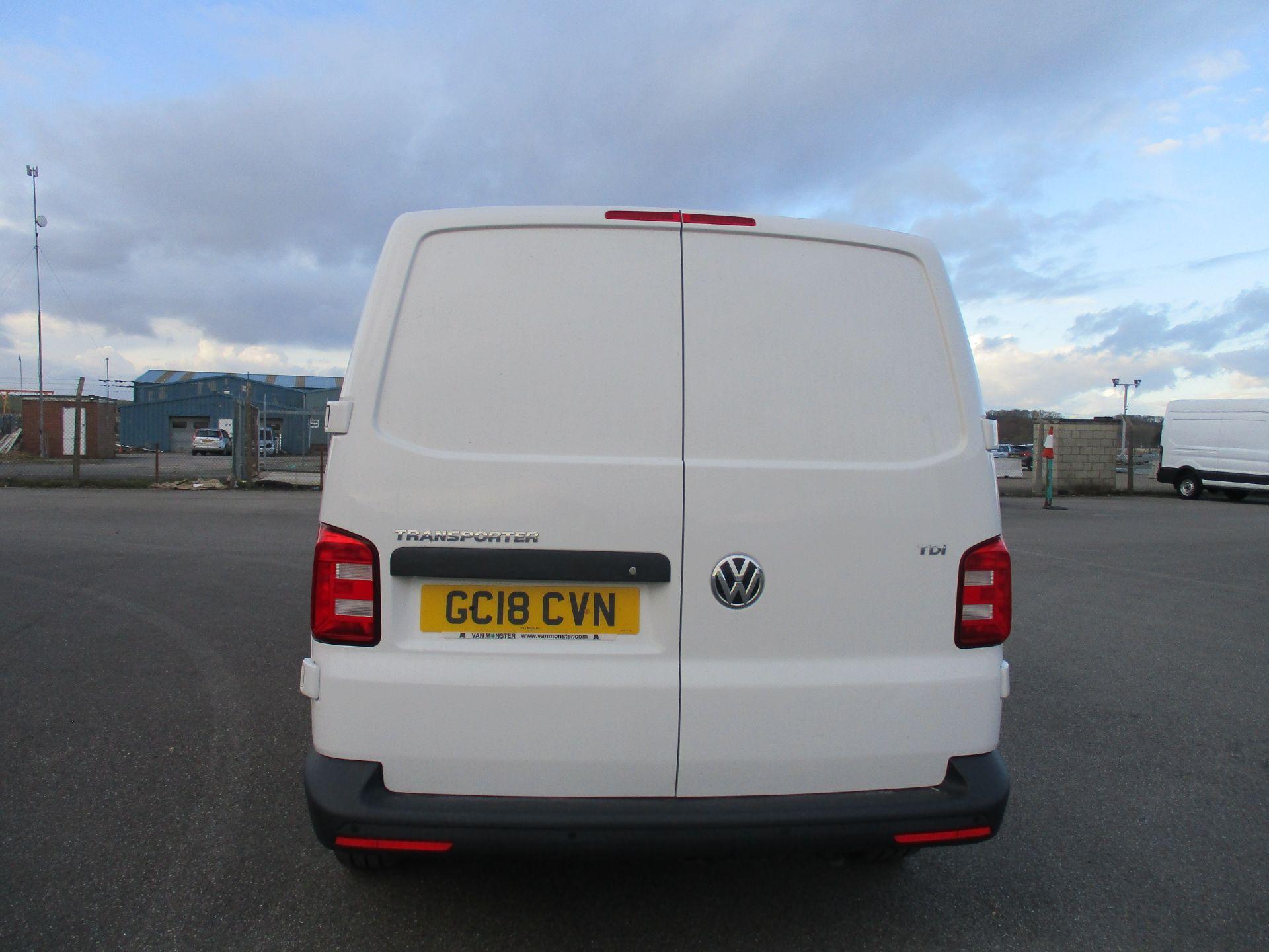 2018 Volkswagen Transporter T30 LWB DIESEL 2.0 TDI BMT 102 STARTLINE VAN EURO 6 (GC18CVN) Image 6