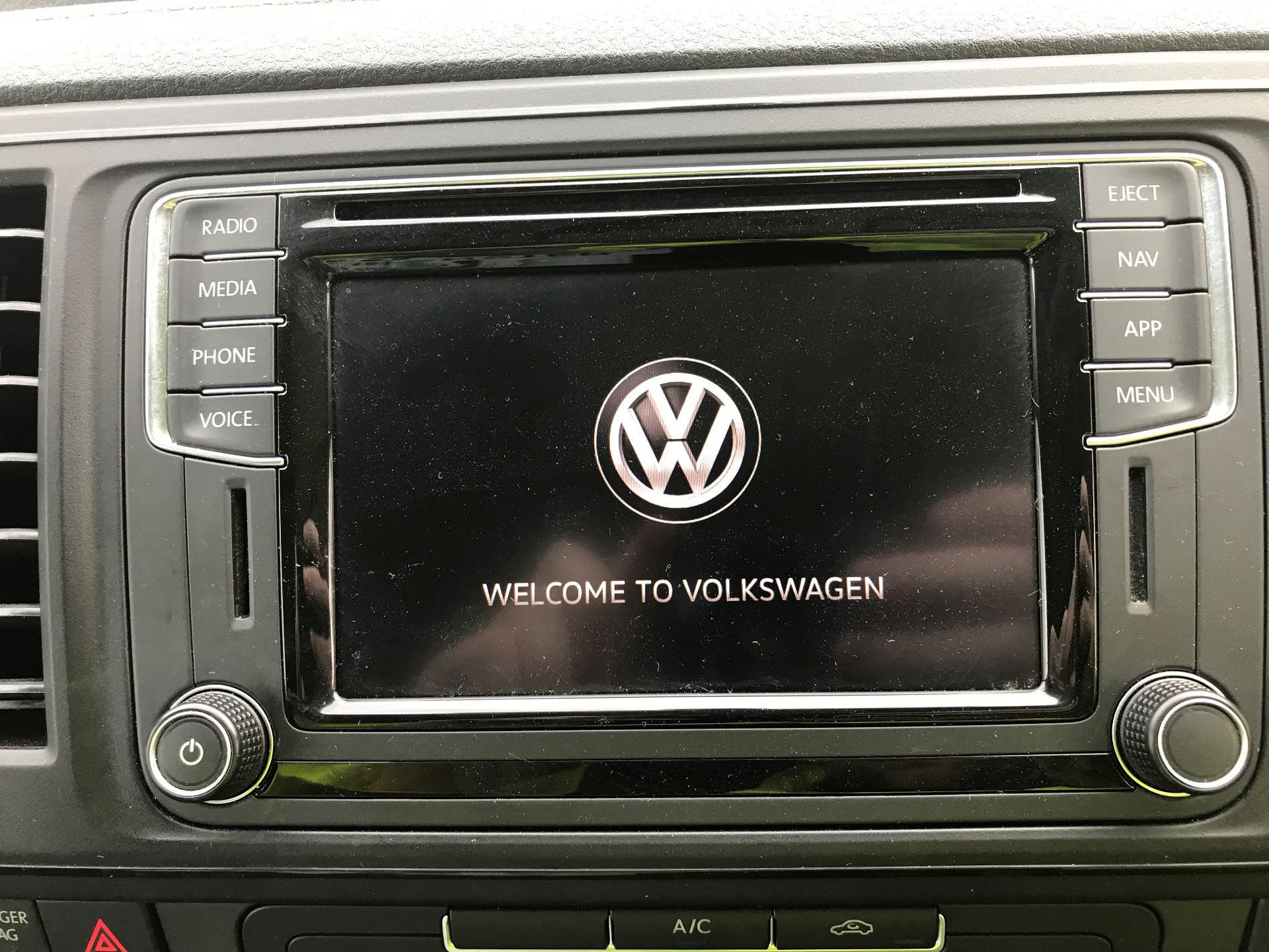 2018 Volkswagen Transporter  T28 SWB DIESEL 2.0 TDI BMT 102 HIGHLINE VAN EURO 6  (GC18NNX) Image 19