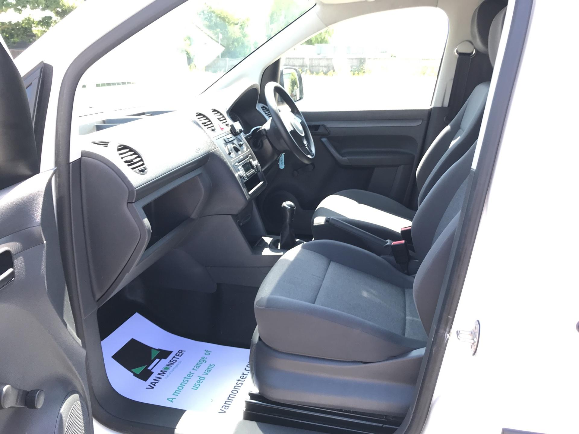 2016 Volkswagen Caddy MAXI 1.6 102PS STARTLINE EURO 5 (GD16FEM) Image 14