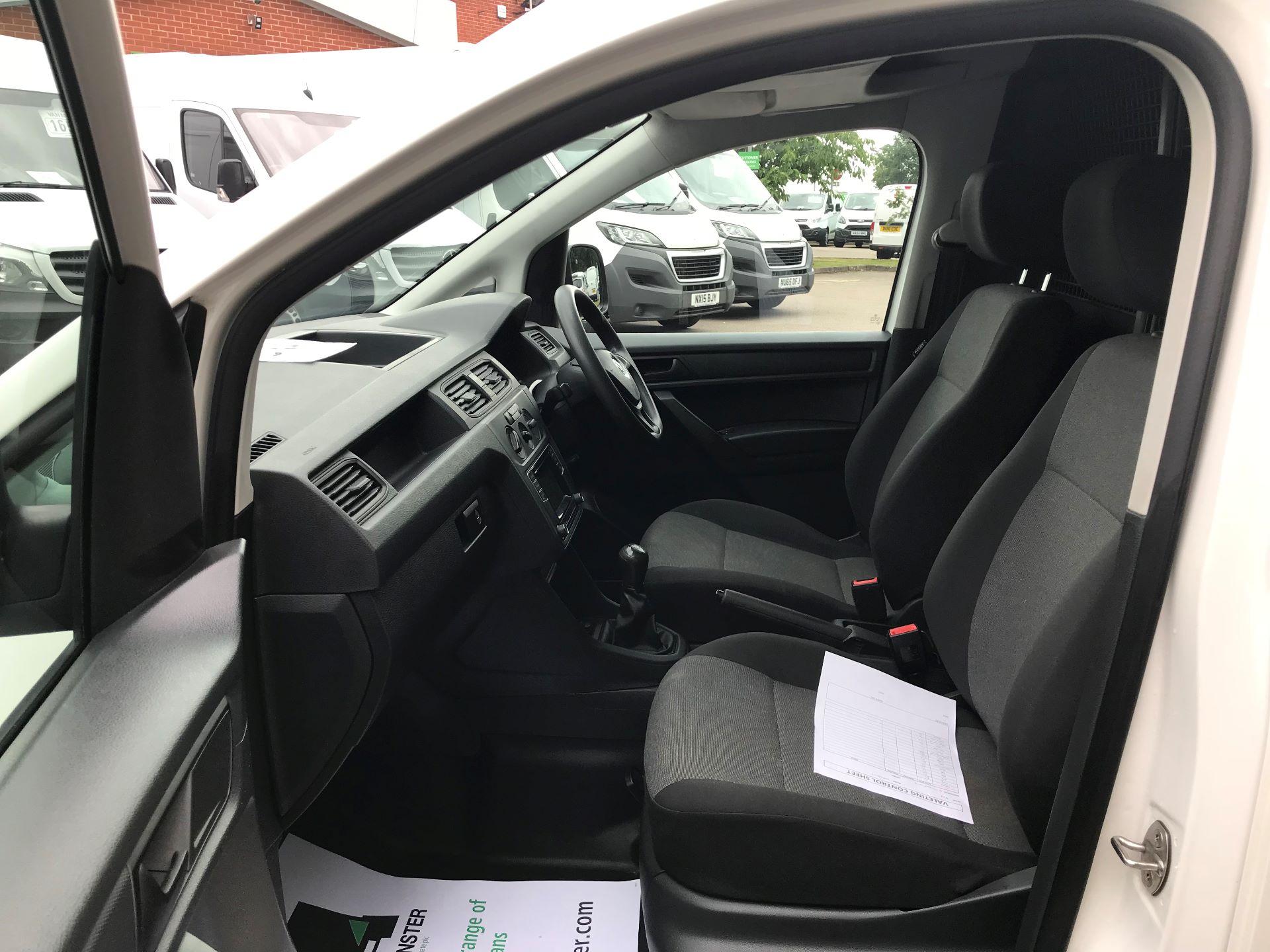 2016 Volkswagen Caddy  1.6 102PS STARTLINE EURO 5 (GD16PWY) Image 15