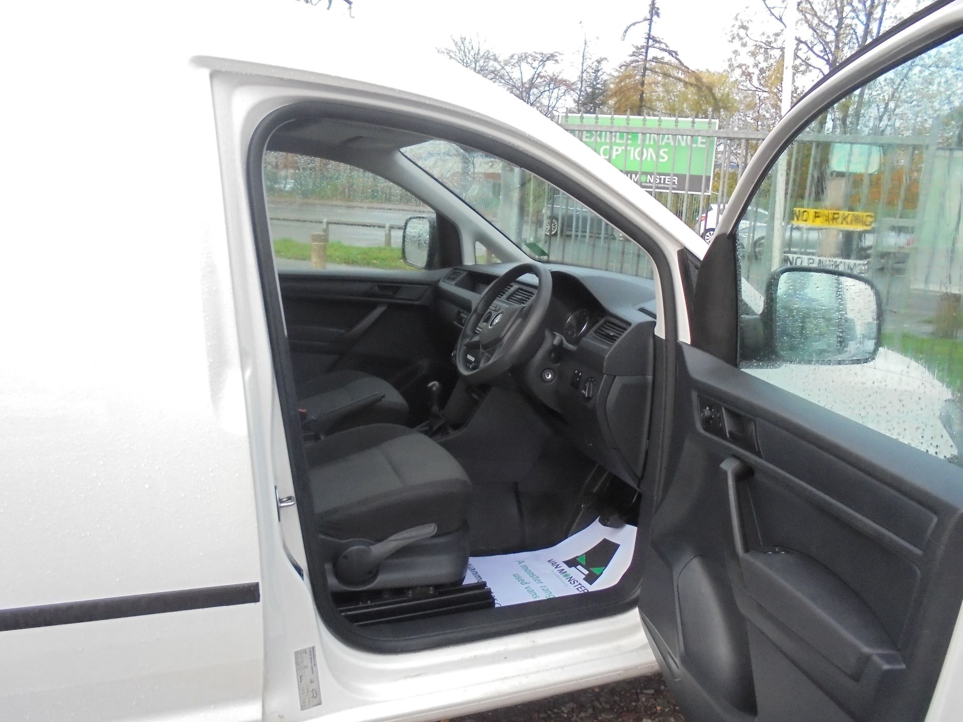 2016 Volkswagen Caddy 2.0 102PS BLUEMOTION TECH 102PS STARTLINE EURO 6 (GD16PXB) Image 11