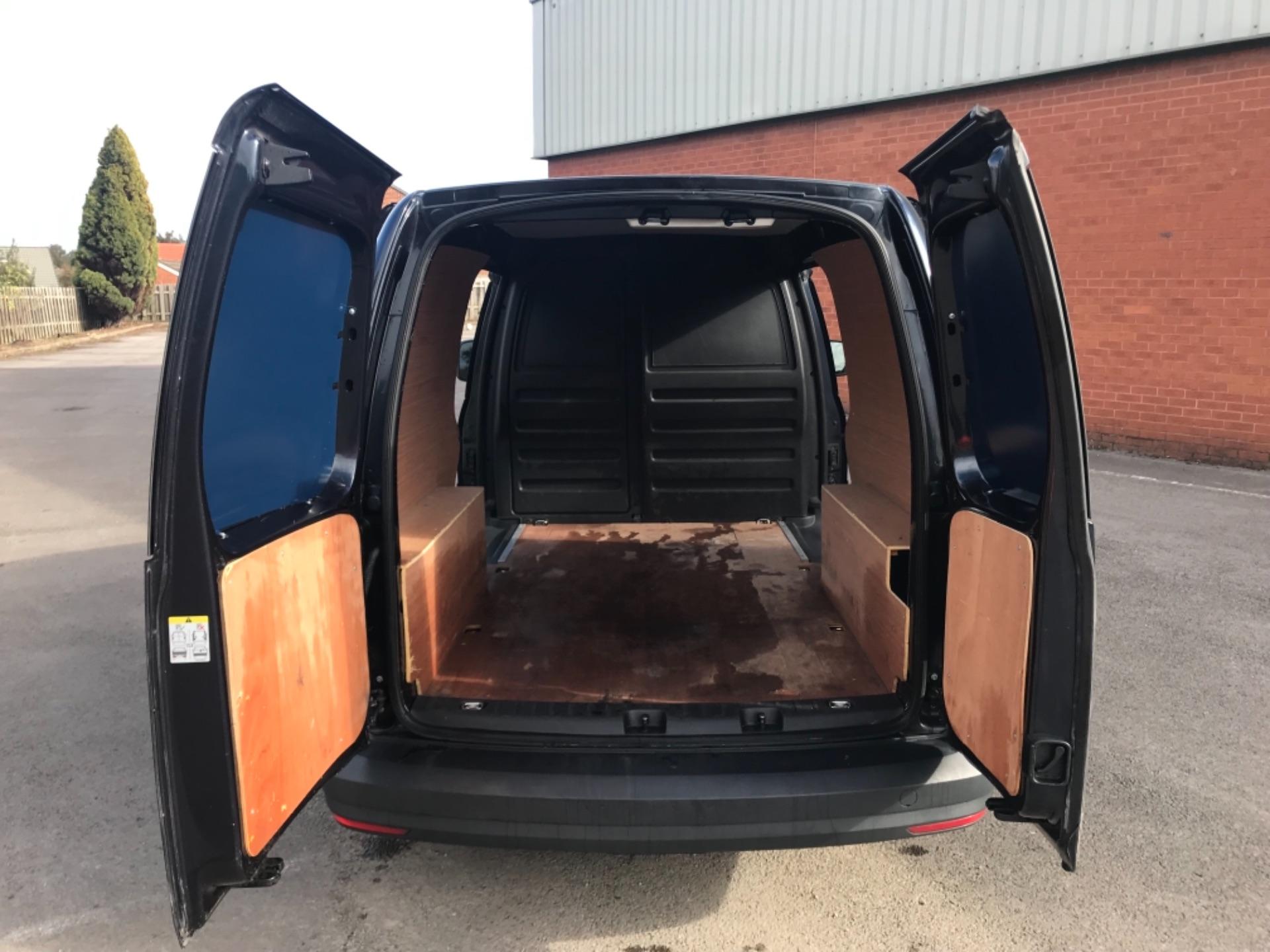 2017 Volkswagen Caddy 2.0 Tdi Bluemotion Tech 102Ps Startline Van Euro 6 (GD17ERZ) Image 9