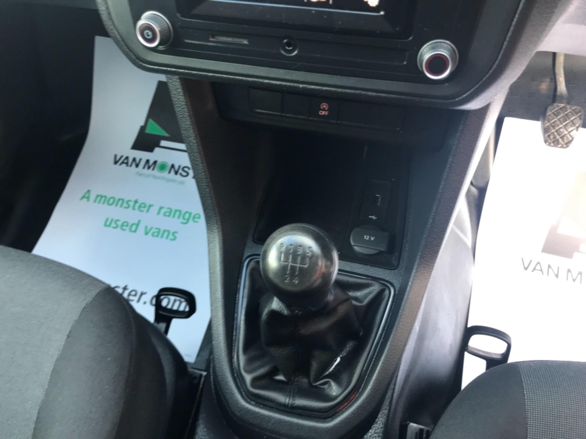 2017 Volkswagen Caddy 2.0 Tdi Bluemotion Tech 102Ps Startline Van Euro 6 (GD17ERZ) Image 14