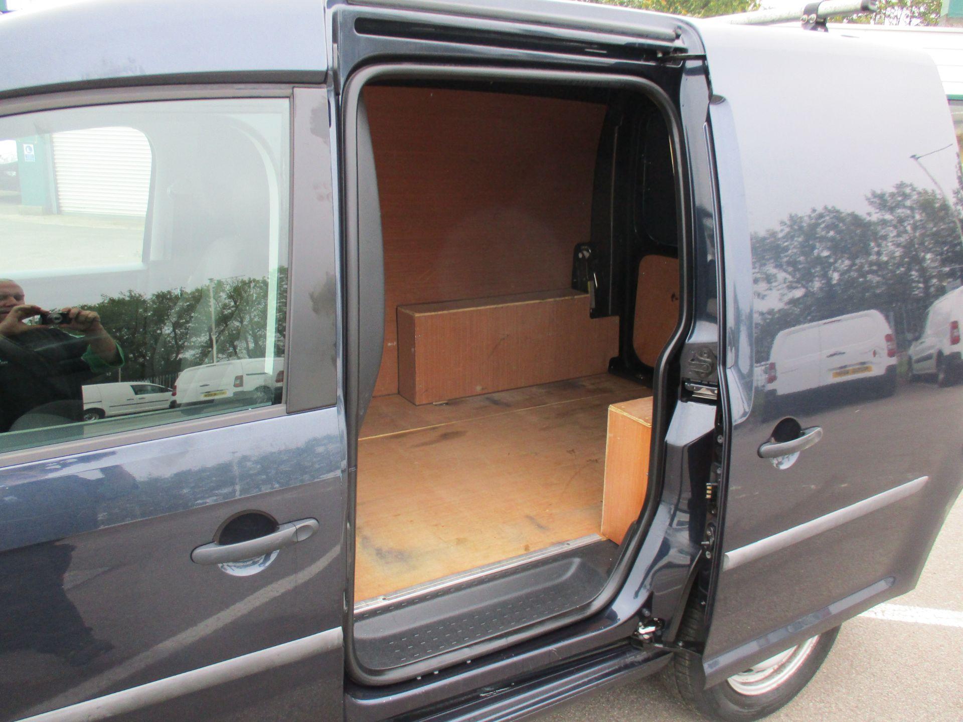 2017 Volkswagen Caddy 2.0 Tdi Bluemotion Tech 102Ps Startline Van (GD17EUO) Image 8
