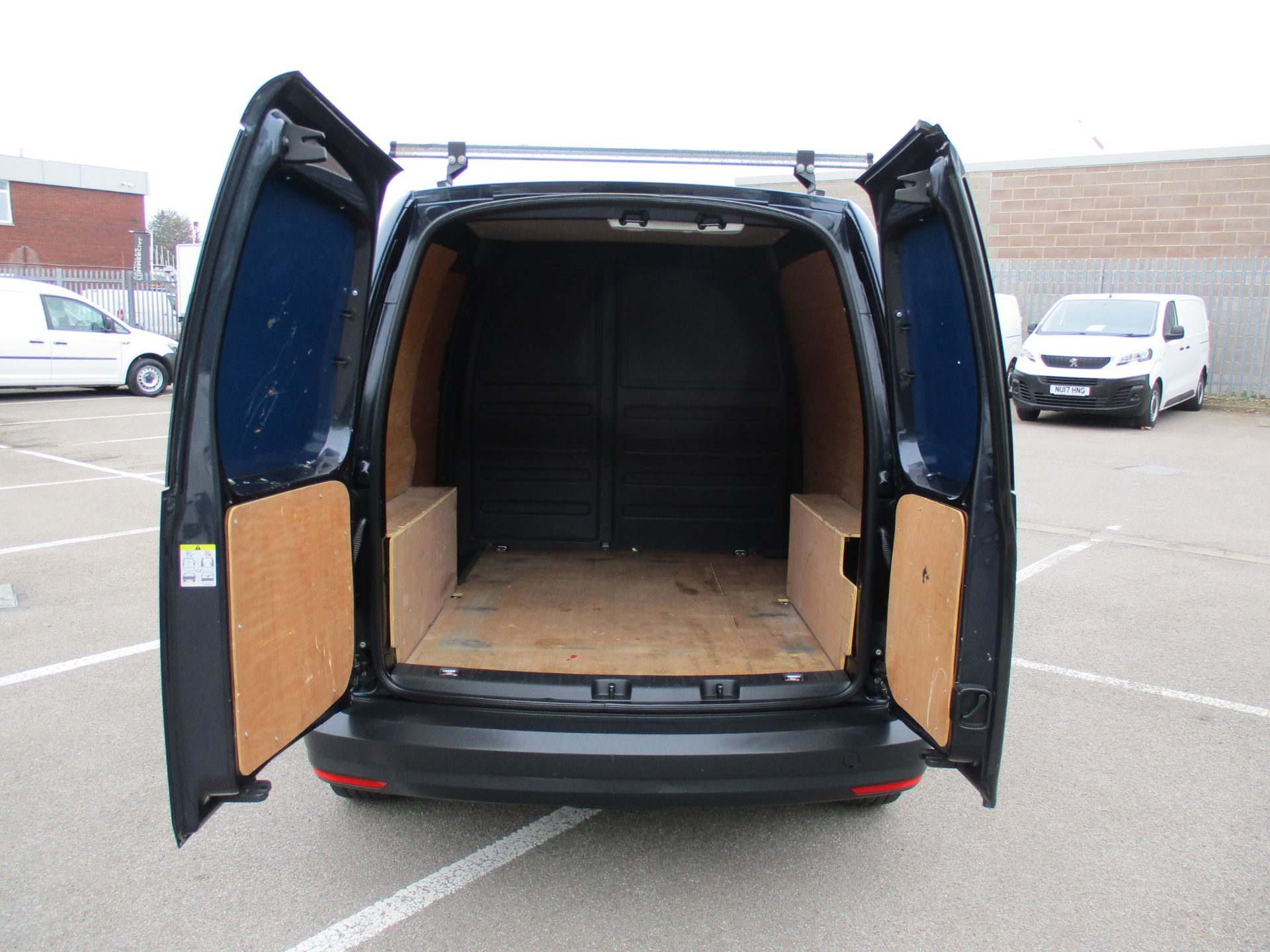 2017 Volkswagen Caddy 2.0 Tdi Bluemotion Tech 102Ps Startline Van (GD17EUO) Image 6