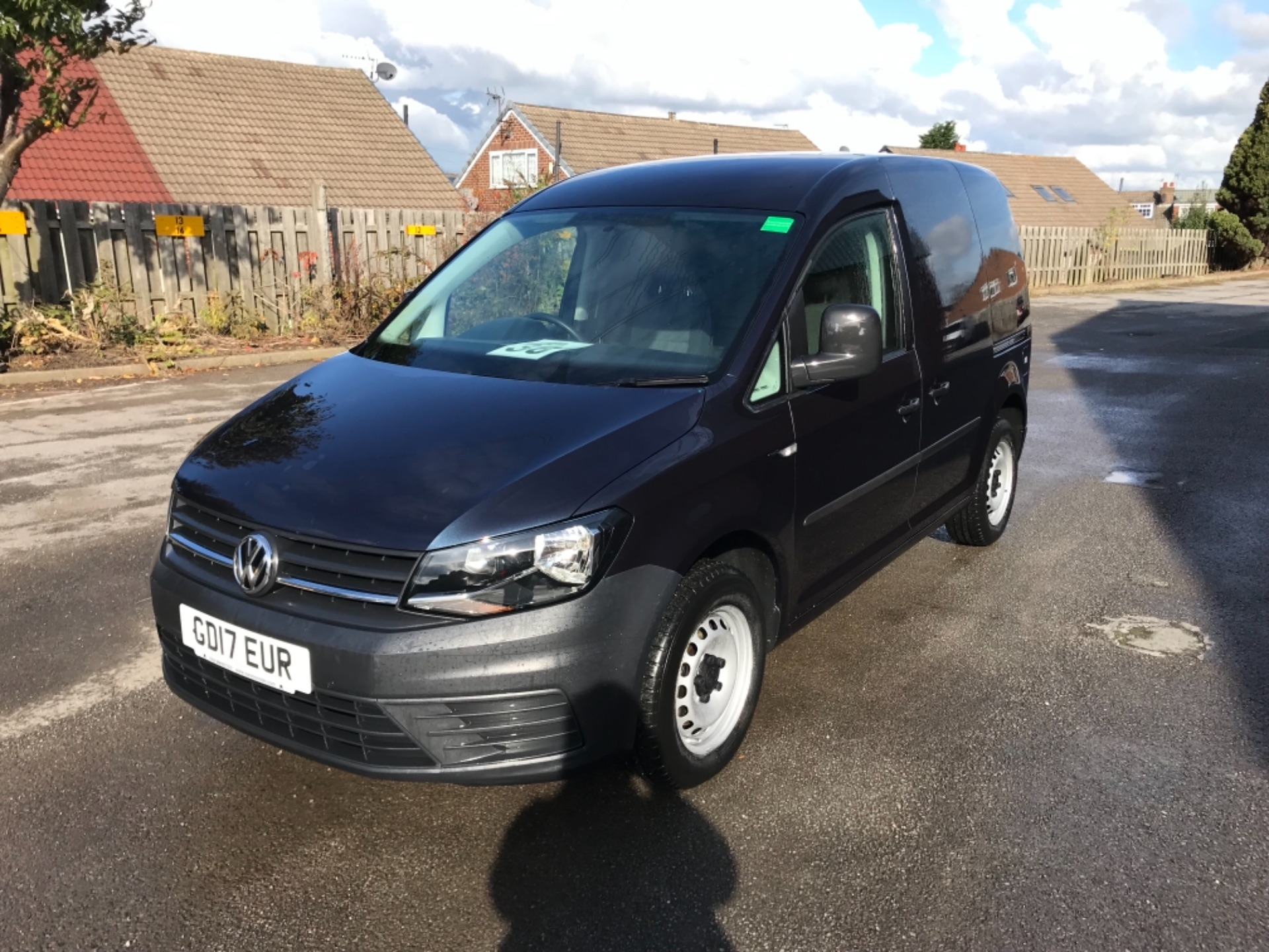 2017 Volkswagen Caddy  2.0 102PS BLUEMOTION TECH 102 STARTLINE EURO 6 (GD17EUR) Image 3