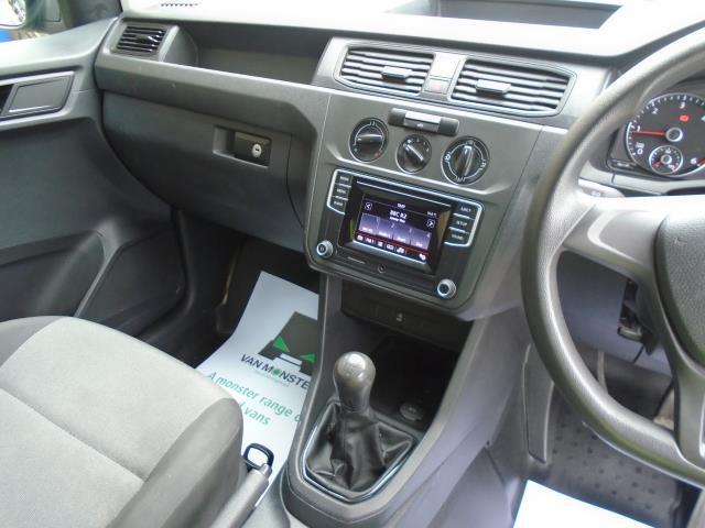 2017 Volkswagen Caddy 2.0 Tdi Bluemotion Tech 102Ps Startline Van (GD17EUT) Image 15