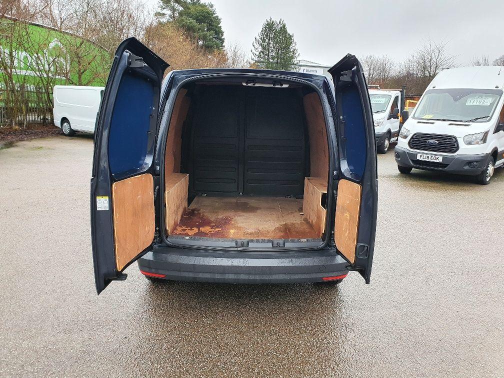 2017 Volkswagen Caddy 2.0 Tdi Bluemotion Tech 102Ps Startline Van (GD17EUZ) Image 11