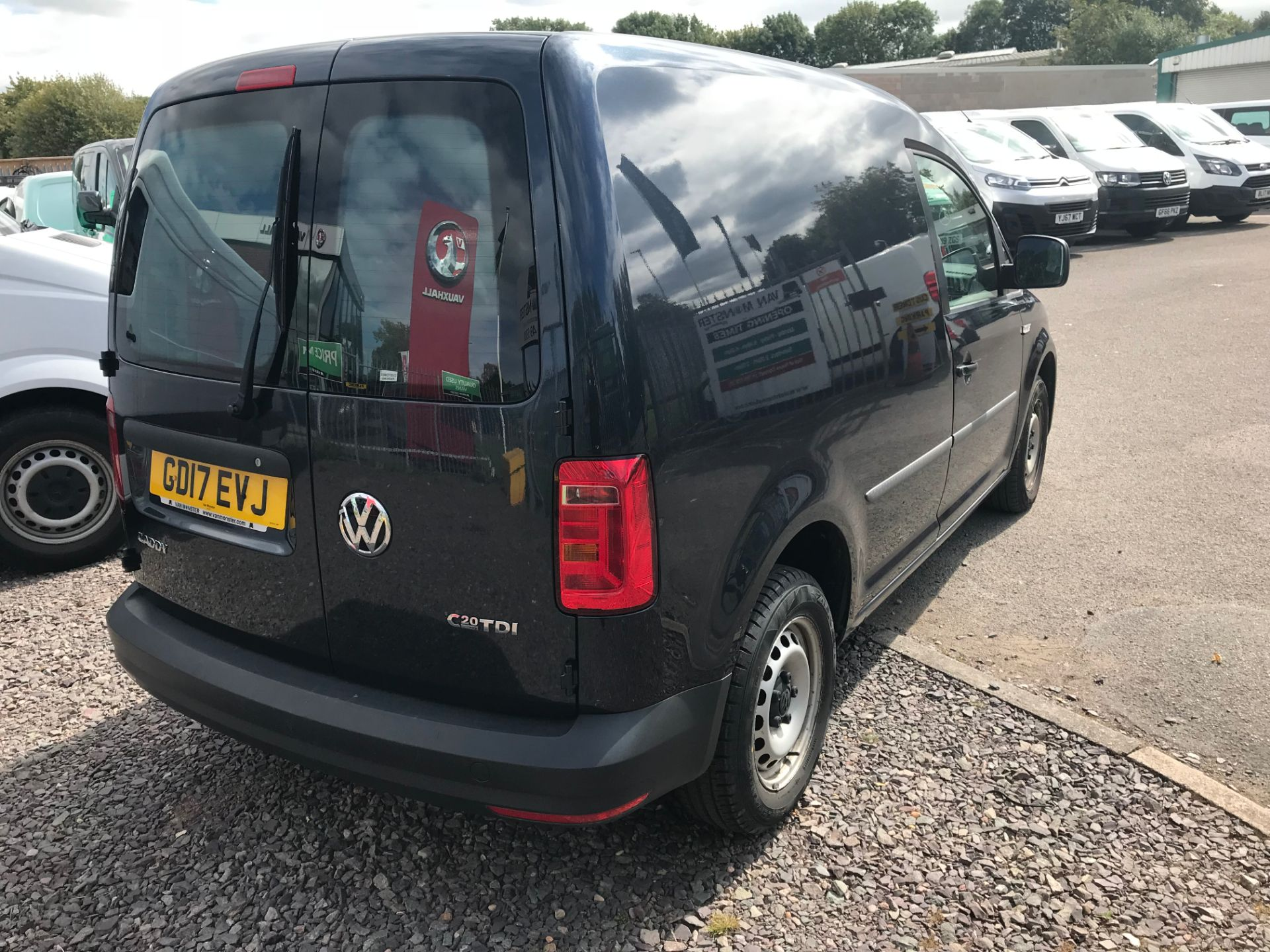 2017 Volkswagen Caddy 2.0 Tdi Bluemotion Tech 102Ps Startline Van Euro 6 (GD17EVJ) Image 3