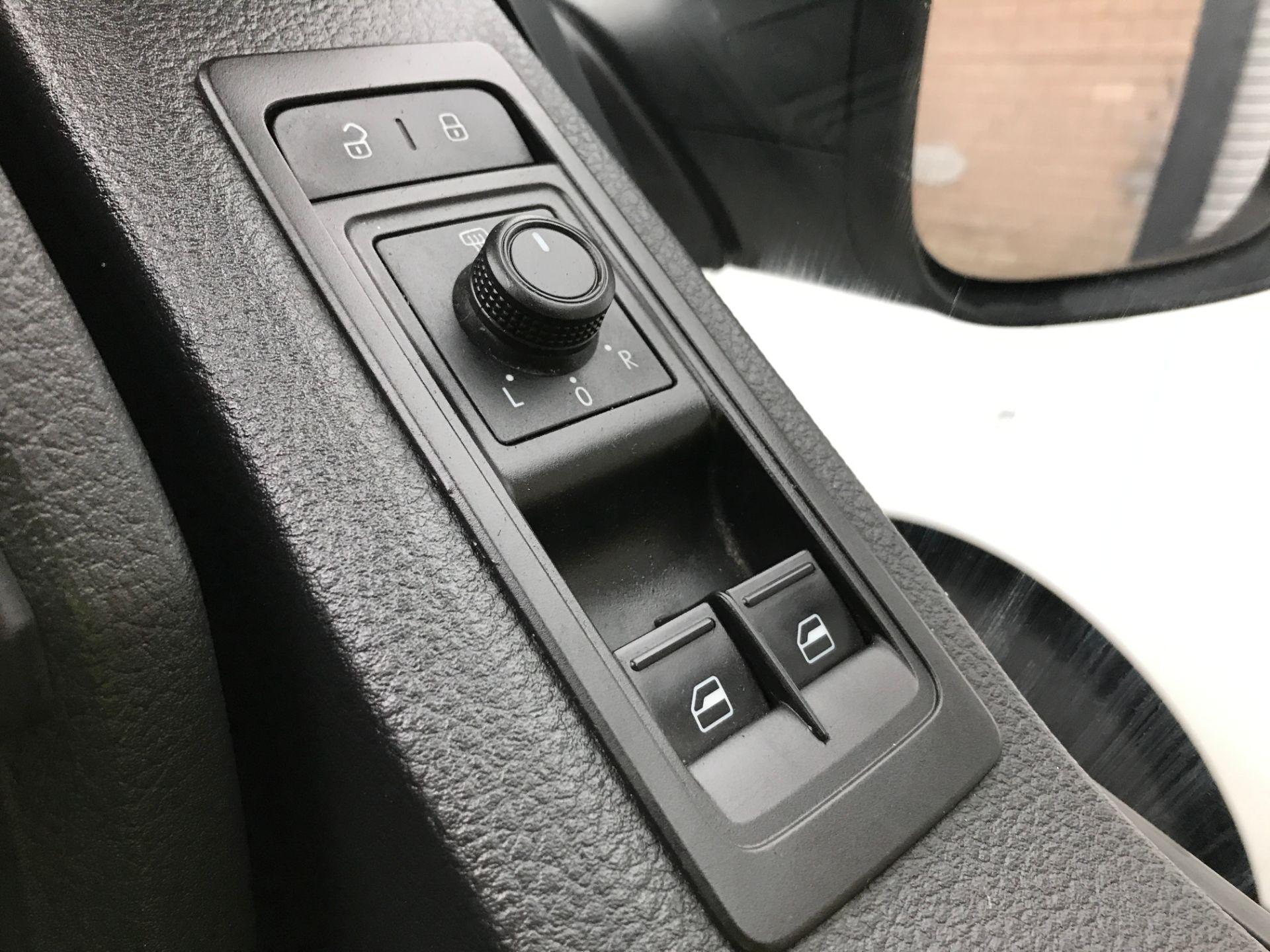 2018 Volkswagen Transporter  T28 T6 SWB 2.0TDI BMT 84PS STARTLINE EURO 6 (GD18CZL) Image 26
