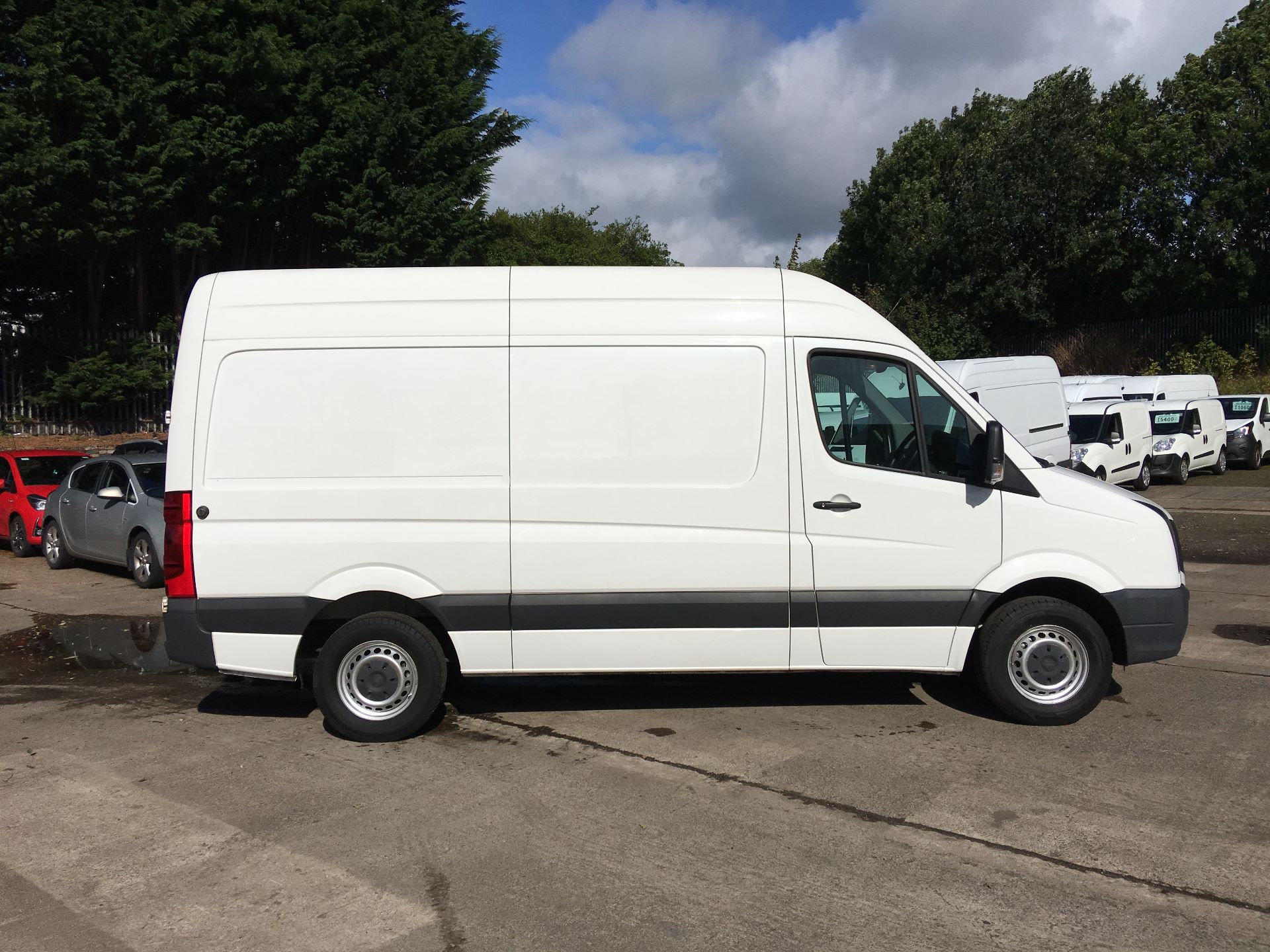 2015 Volkswagen Crafter CR35 MWB 2.0 TDI 109PS HIGH ROOF EURO 5 (GD64VEF) Image 9