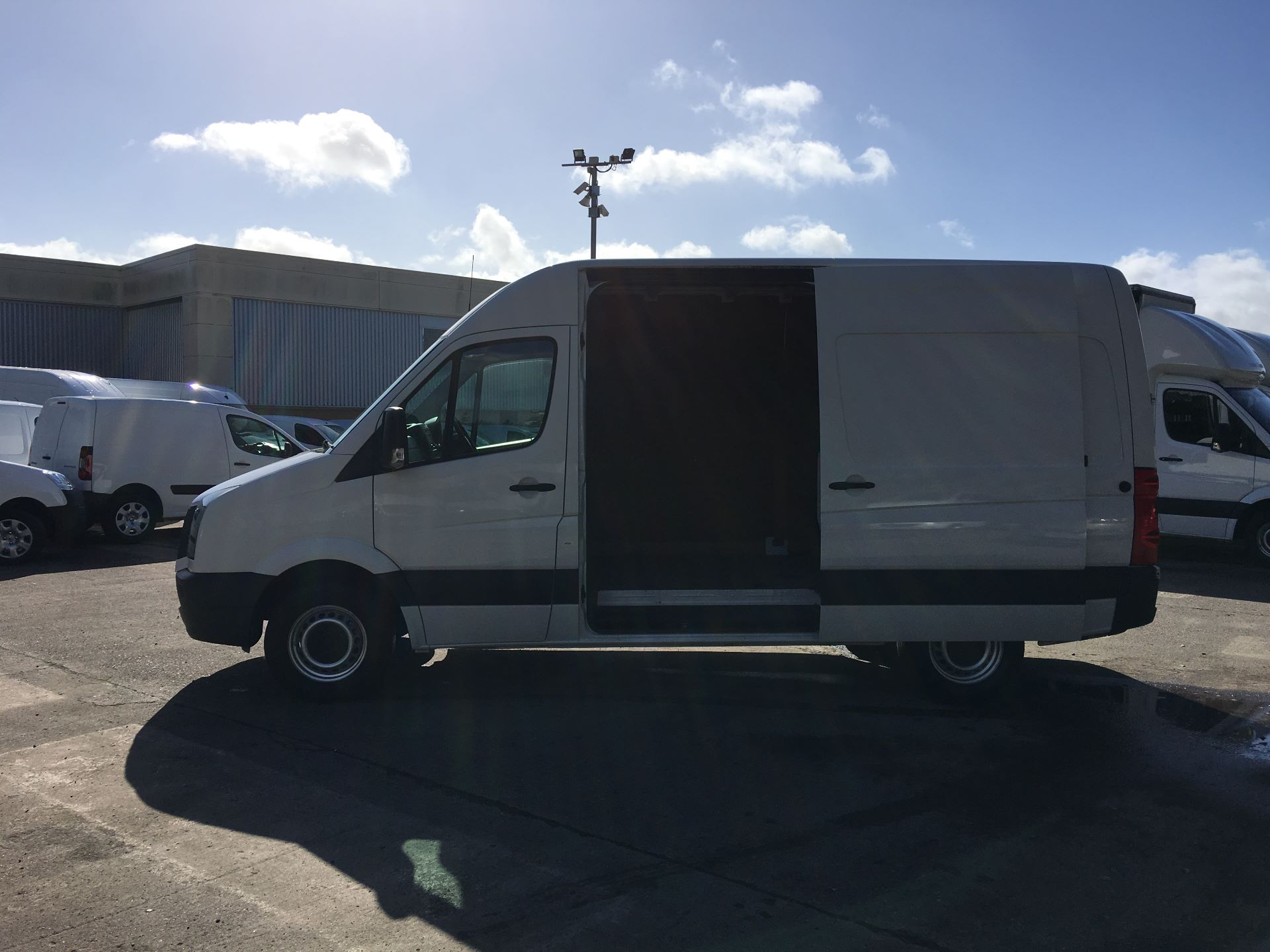 2015 Volkswagen Crafter CR35 MWB 2.0 TDI 109PS HIGH ROOF EURO 5 (GD64VEF) Image 20