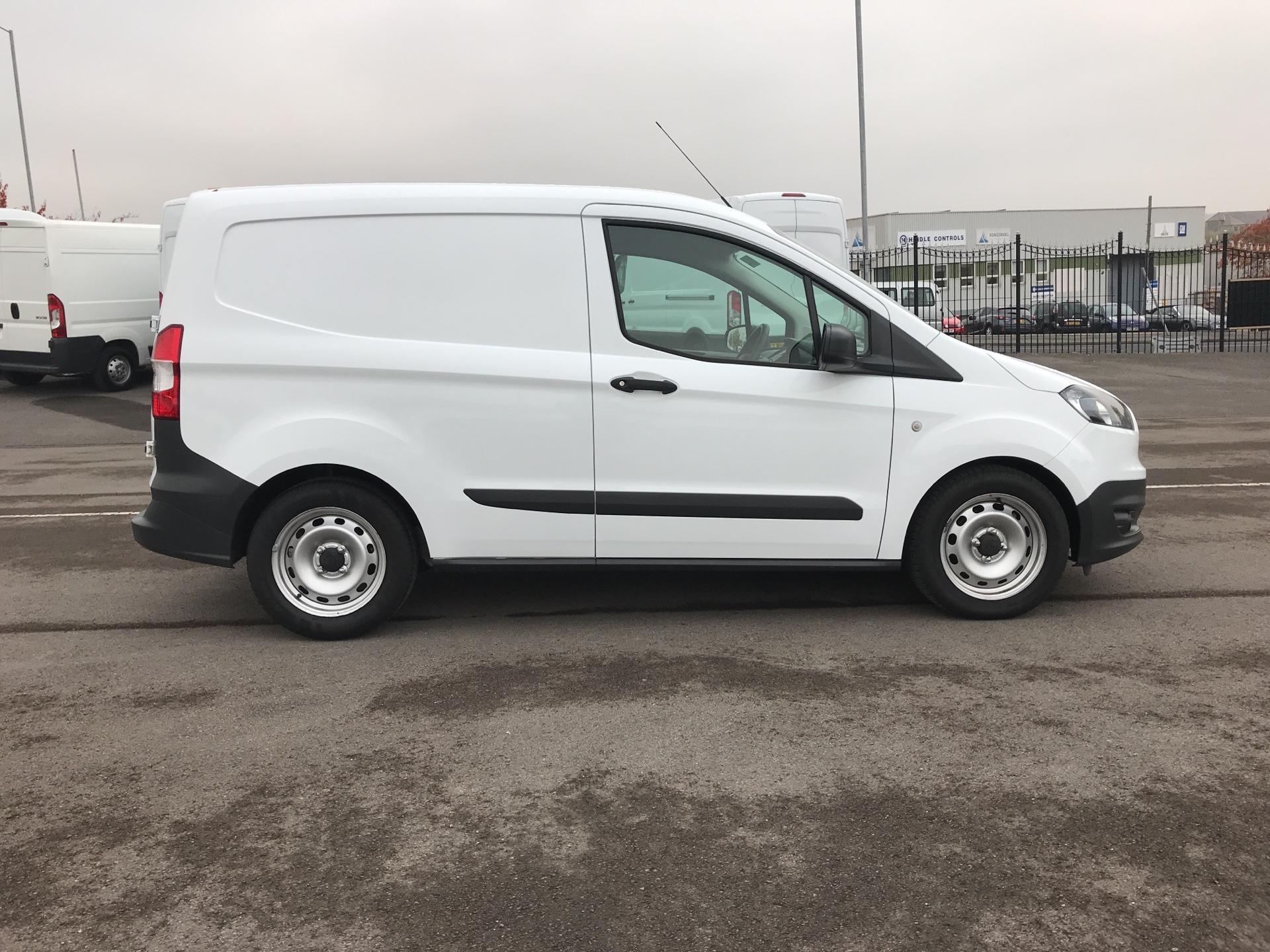 2015 Ford Transit Courier 1.5 Tdci Van Euro 5  (GD65BXG) Image 2