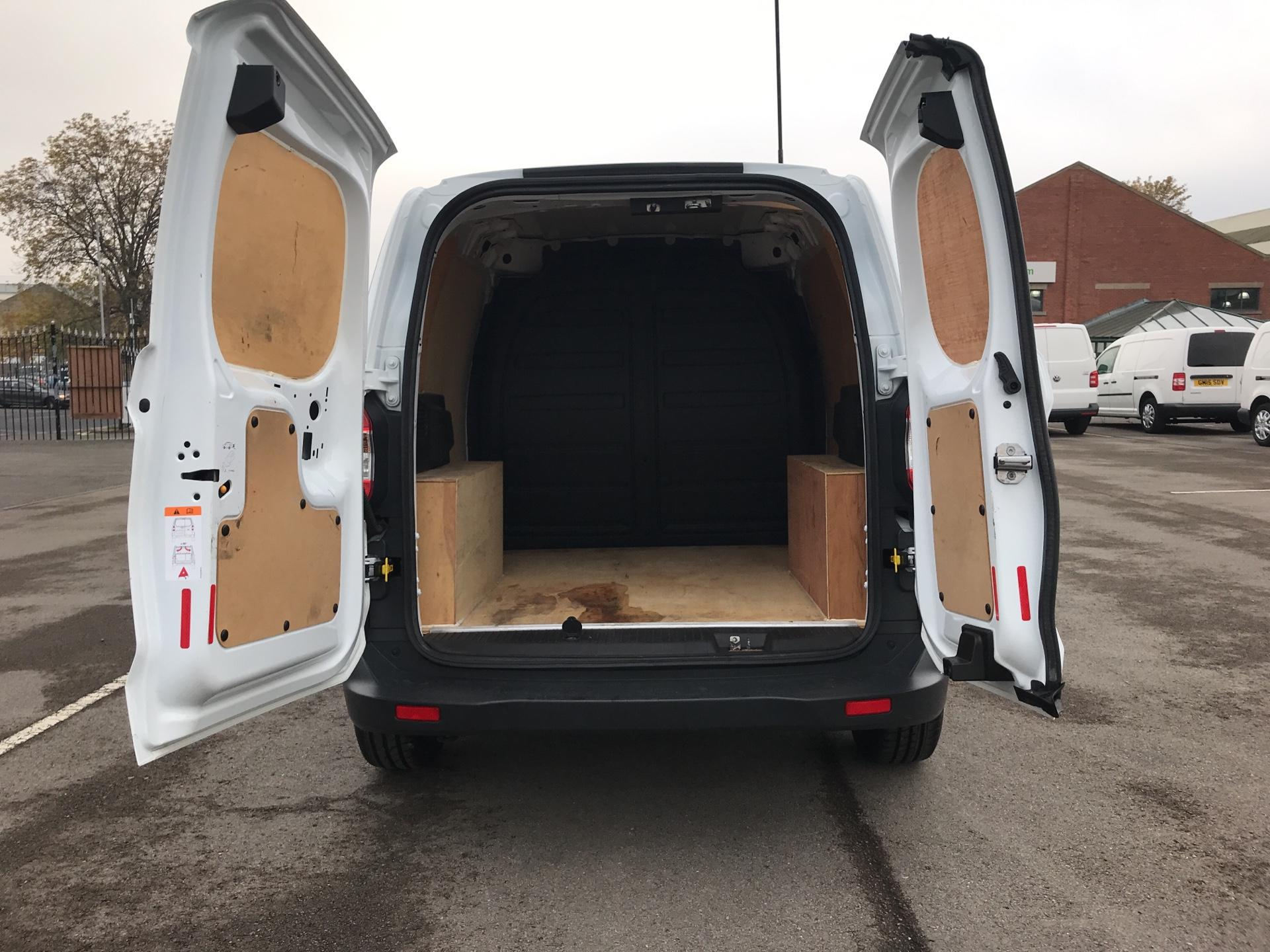 2015 Ford Transit Courier 1.5 Tdci Van Euro 5  (GD65BXG) Image 16