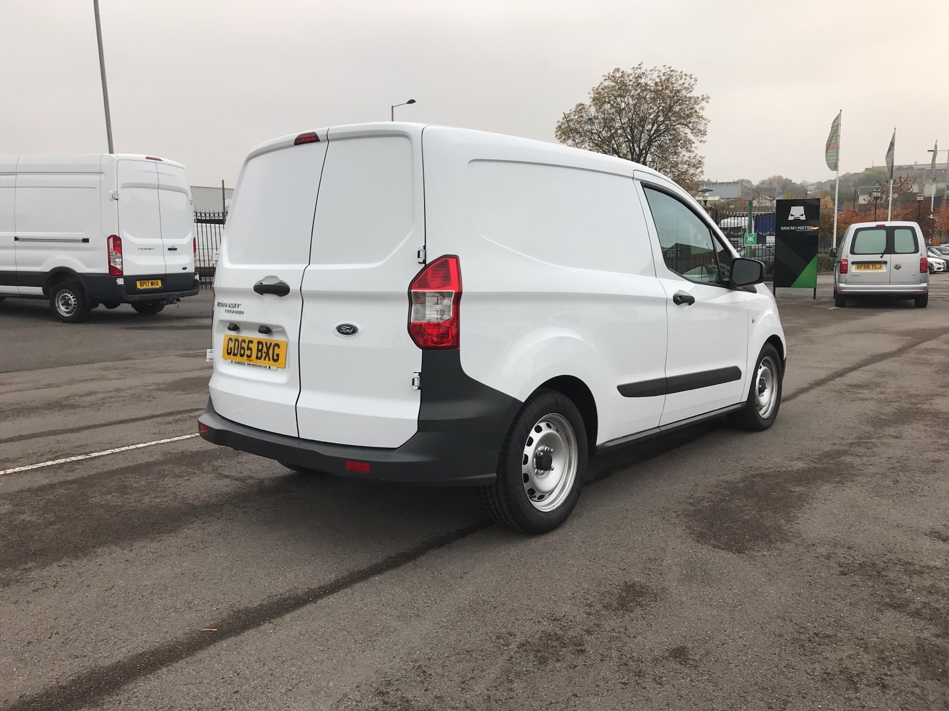 2015 Ford Transit Courier 1.5 Tdci Van Euro 5  (GD65BXG) Image 3