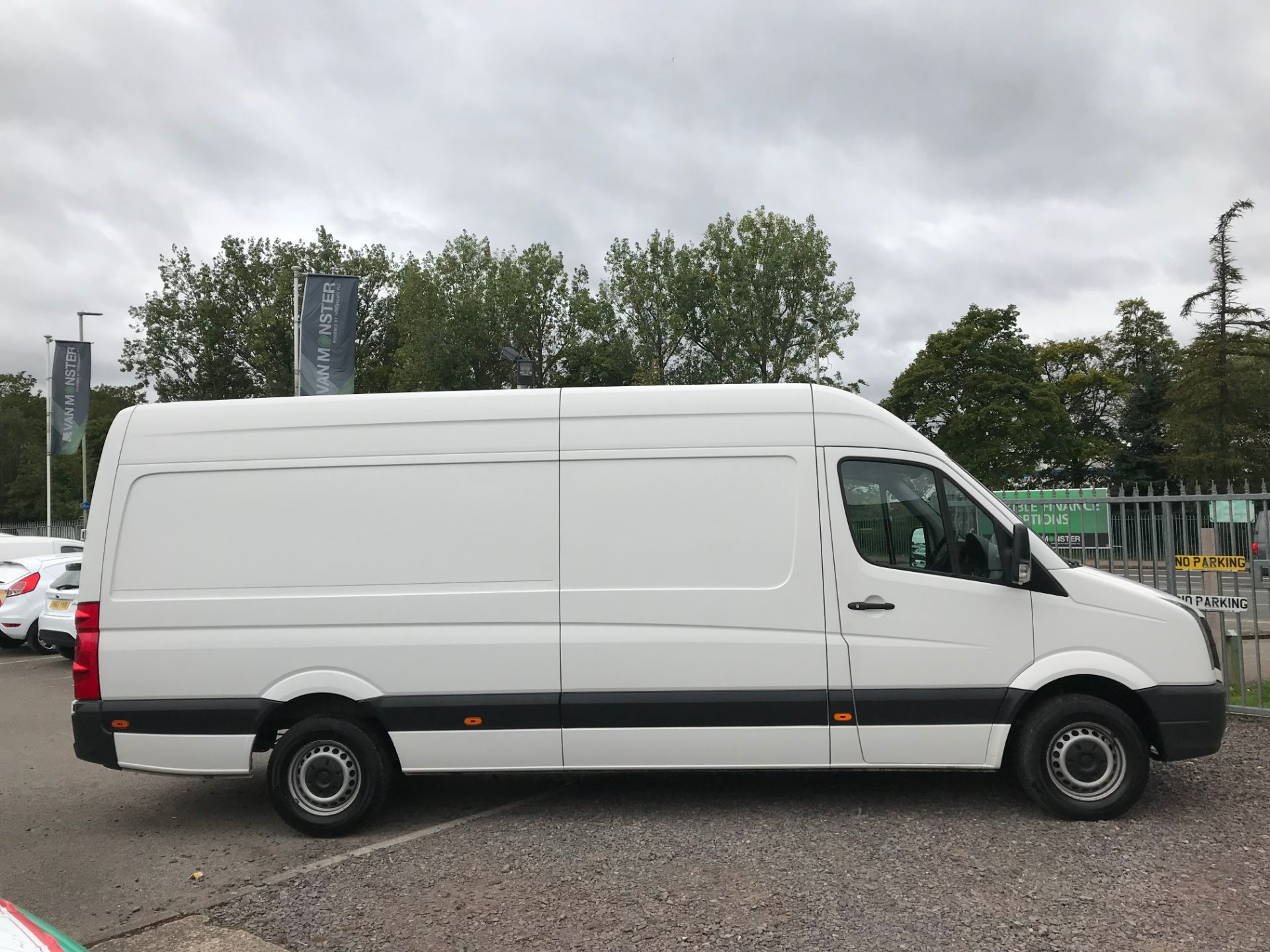 2015 Volkswagen Crafter CR35 LWB 2.0 TDI 136PS HIGH ROOF EURO 5 (GD65FRK) Image 2