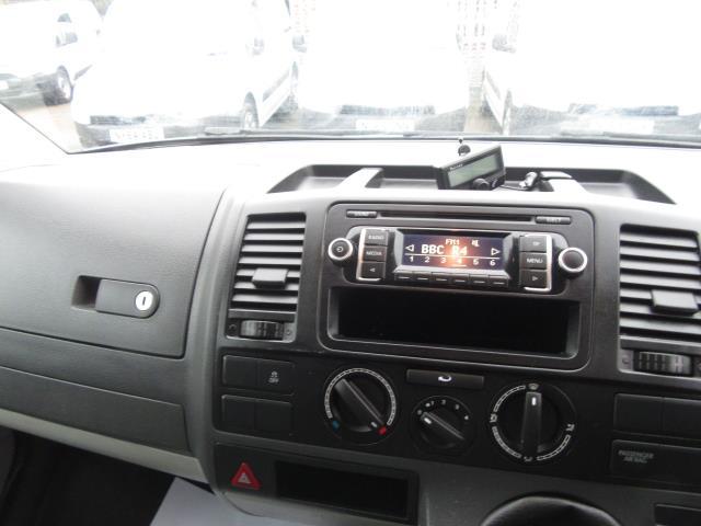 2015 Volkswagen Transporter  T28 SWB DIESEL 2.0 TDI 102PS STARTLINE EURO 5 (GD65FVE) Image 19