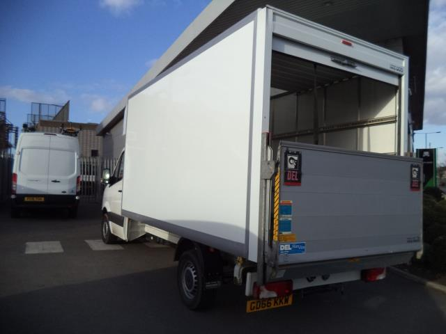 2016 Volkswagen Crafter LWB CR35 LUTON WITH TAIL LIFT 2.0TDI 136PS VAN EURO 5 (GD66KKW) Thumbnail 4
