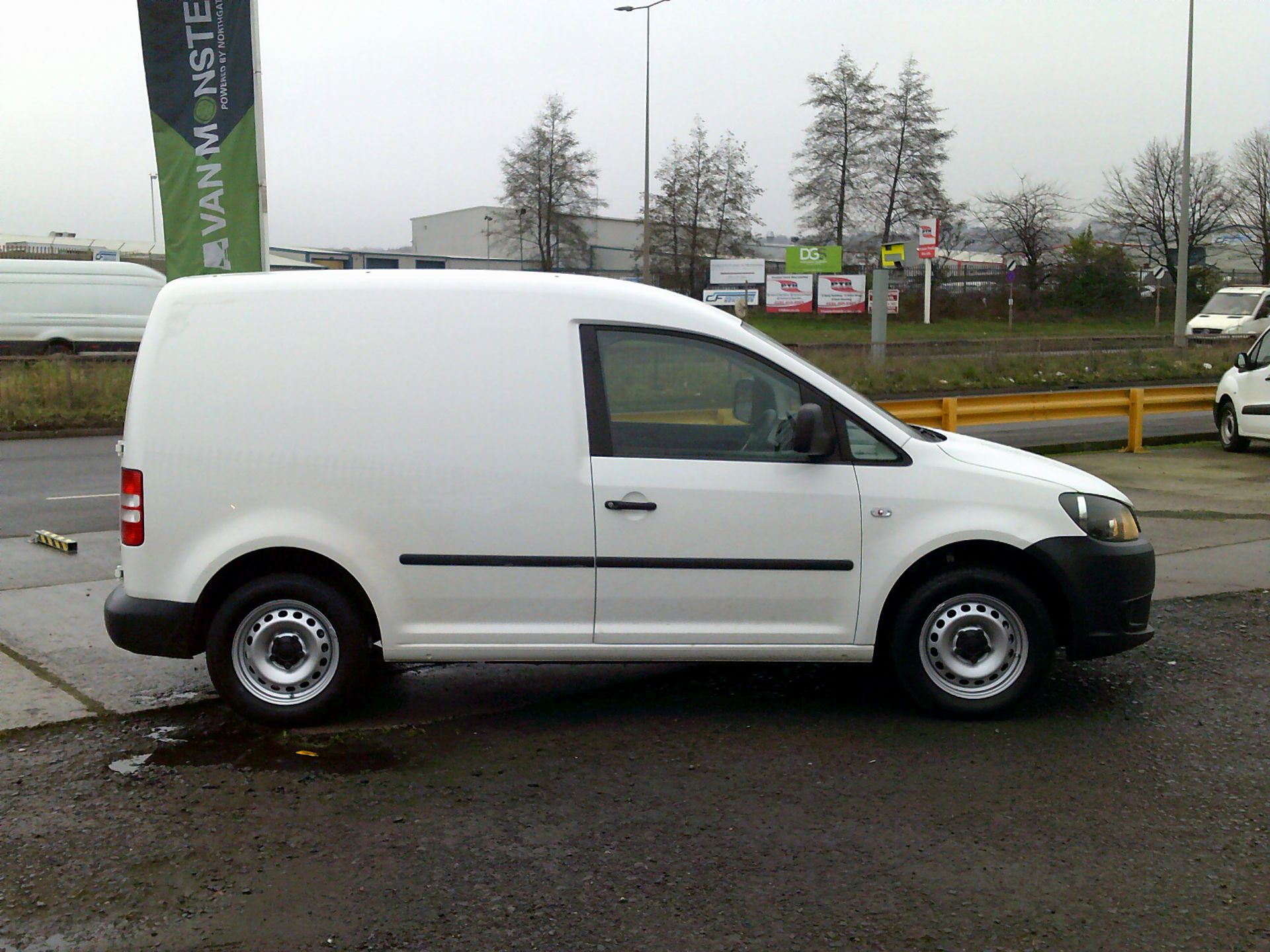 2016 Volkswagen Caddy 1.6 102PS STARTLINE EURO 5 (GD66UAM) Thumbnail 14