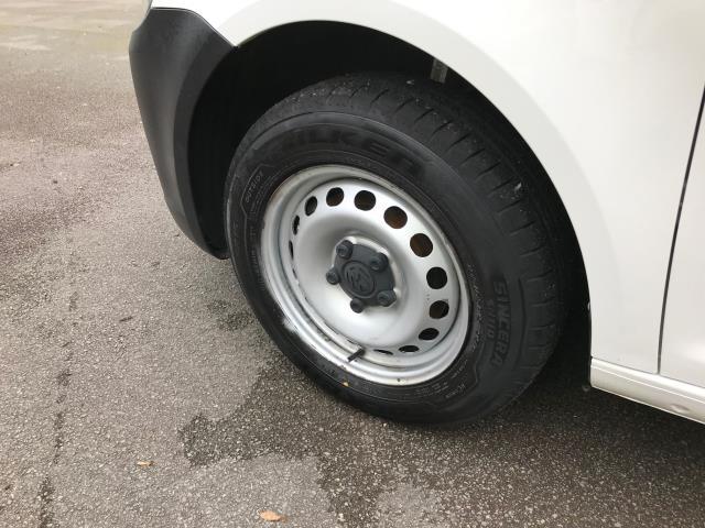 2016 Volkswagen Caddy  1.6 102PS STARTLINE EURO 6 (GD66UAX) Image 13