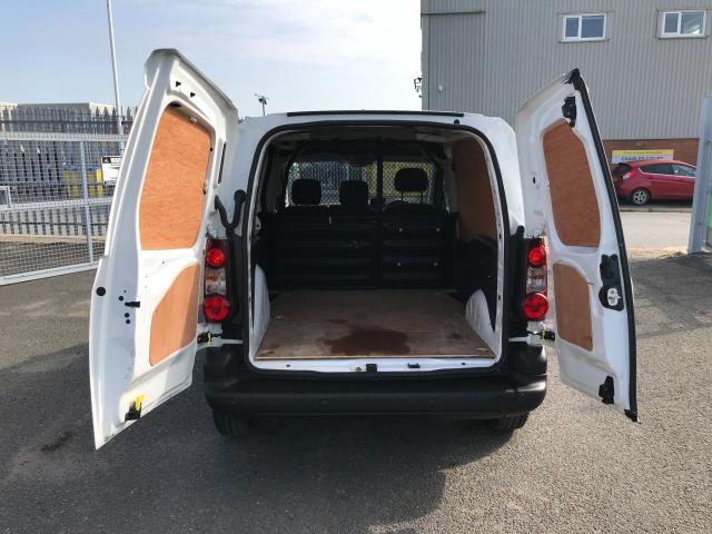 2016 Volkswagen Caddy 2.0TDI BLUEMOTION TECH 102PS STARTLINE EURO 6 (GD66UCG) Image 16