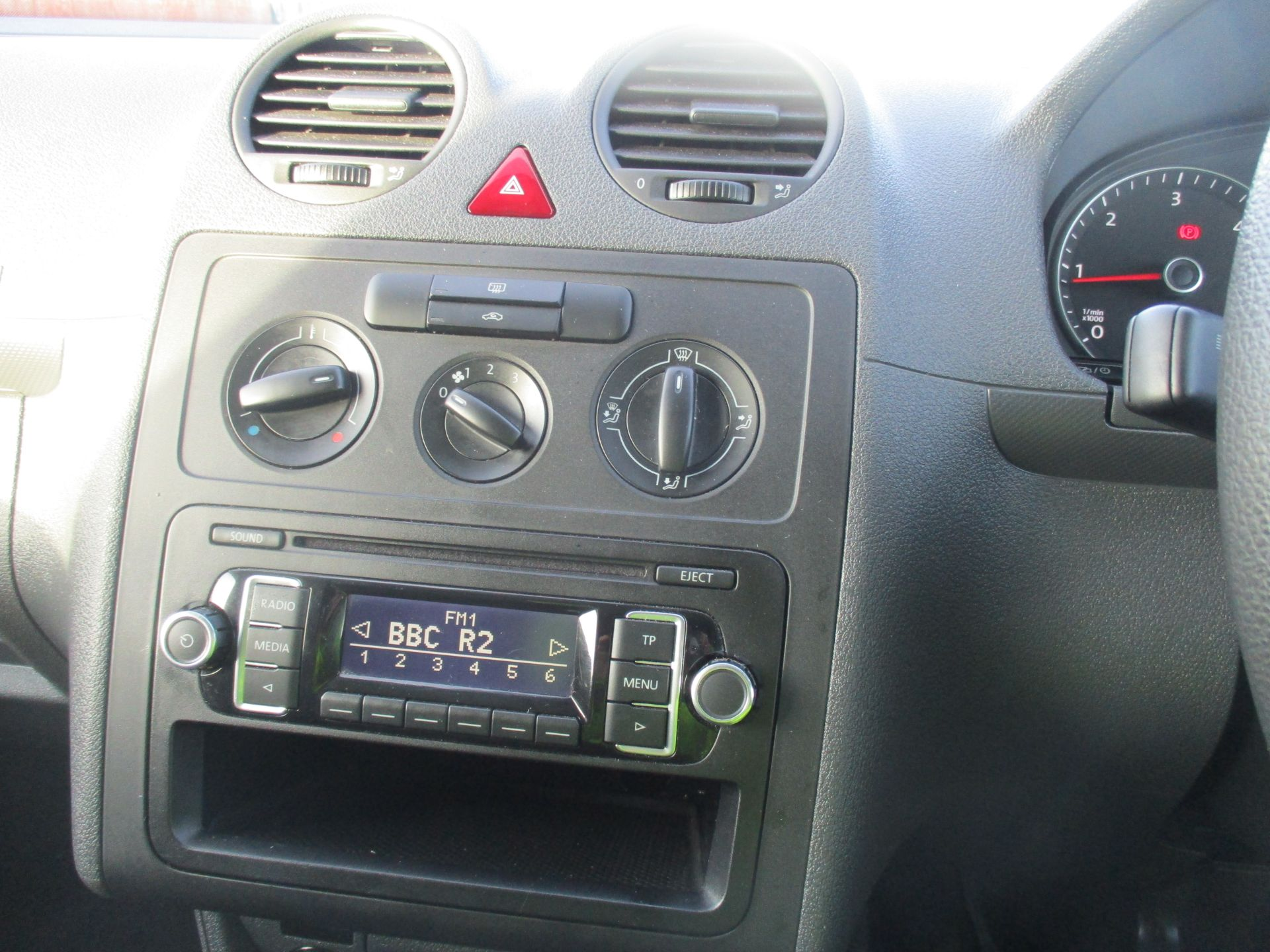 2016 Volkswagen Caddy 1.6 102PS STARTLINE EURO 5 (GD66UCV) Image 14