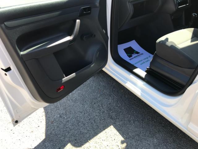 2016 Volkswagen Caddy 1.6TDI 102PS STARTLINE EURO 5 (GD66UCY) Image 26