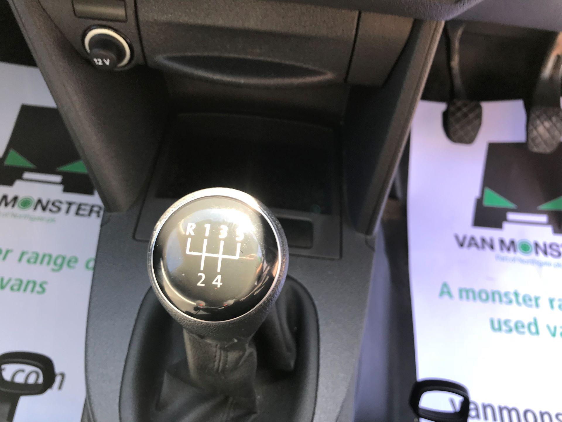 2016 Volkswagen Caddy 1.6 102PS STARTLINE EURO 5 (GD66UDX) Image 4