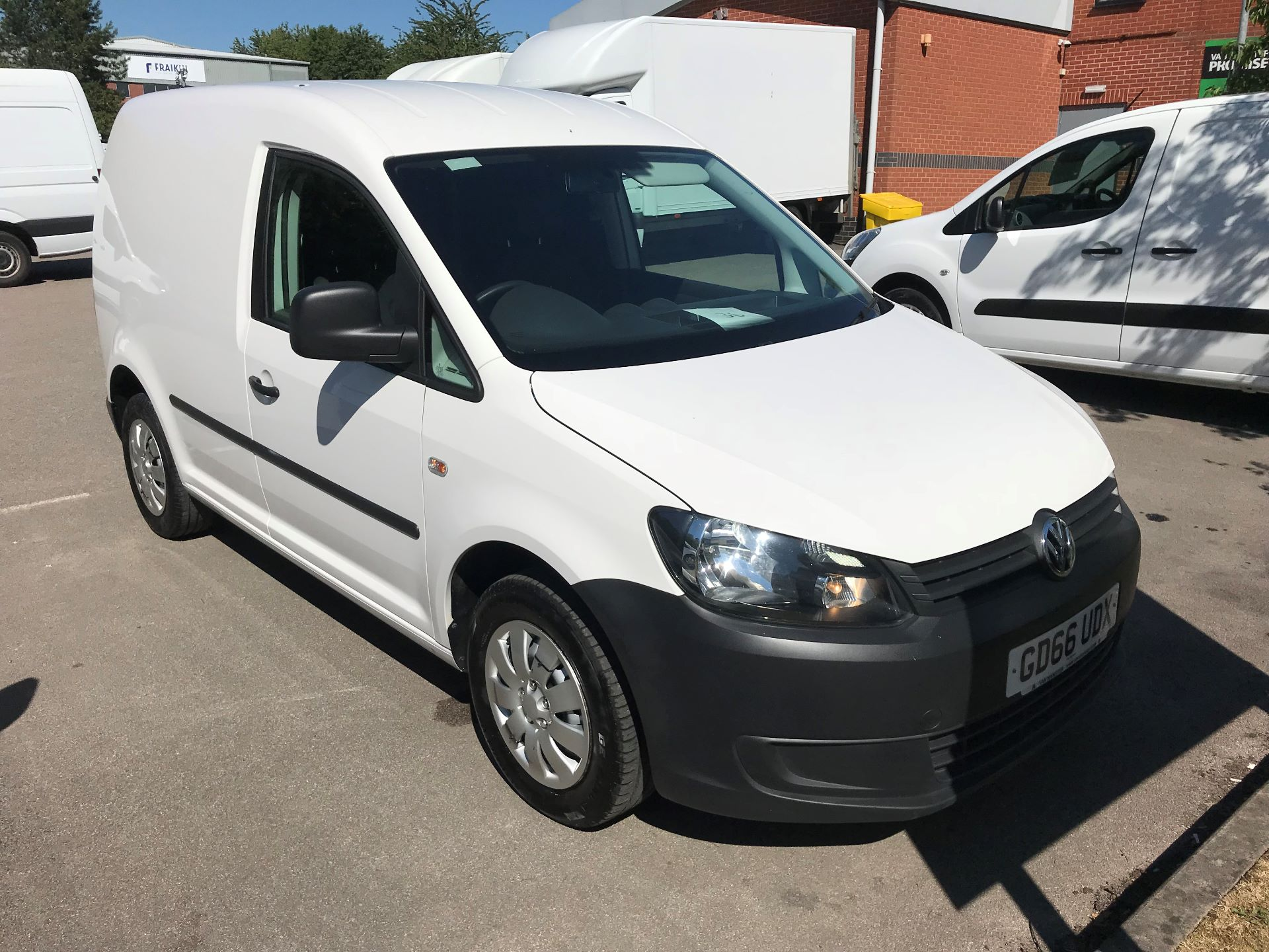 2016 Volkswagen Caddy 1.6 102PS STARTLINE EURO 5 (GD66UDX)