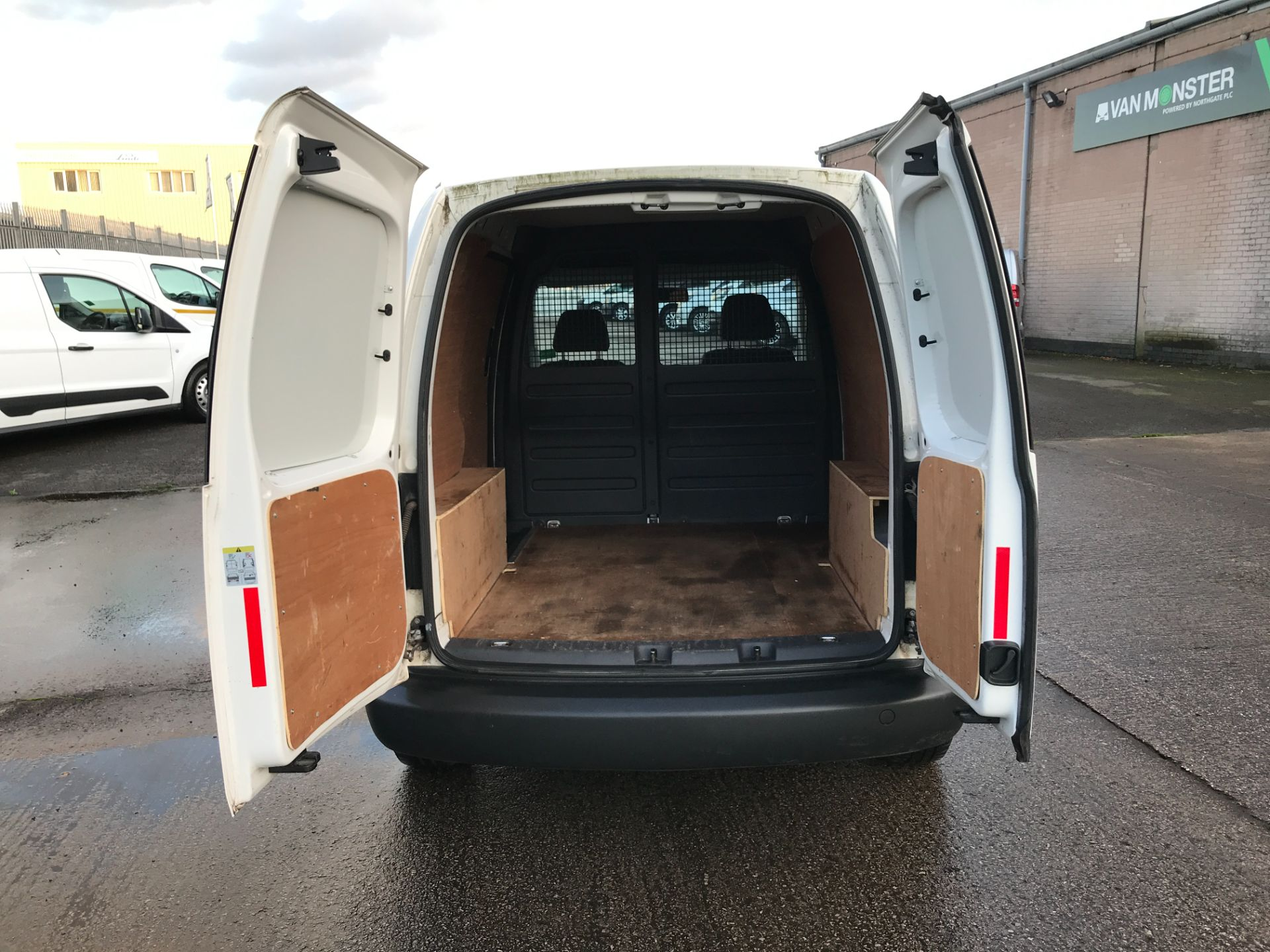 2016 Volkswagen Caddy  2.0TDI BLUEMOTION TECH 102PS STARTLINE EURO 6 (GD66UDZ) Image 18