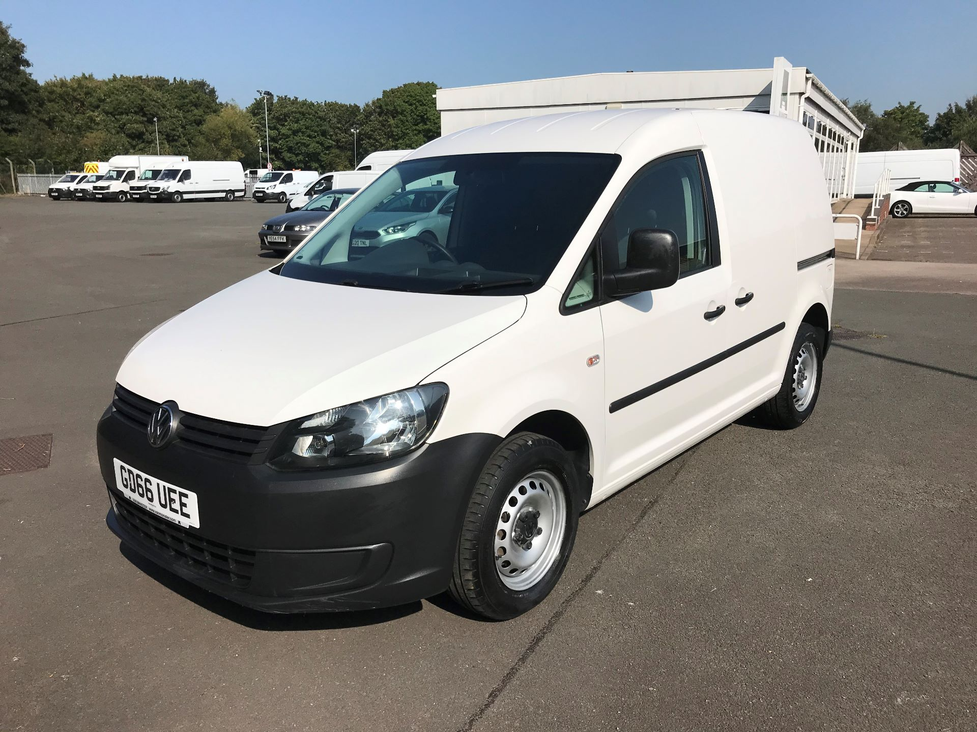 2016 Volkswagen Caddy  1.6 102PS STARTLINE EURO 5 (GD66UEE) Thumbnail 3