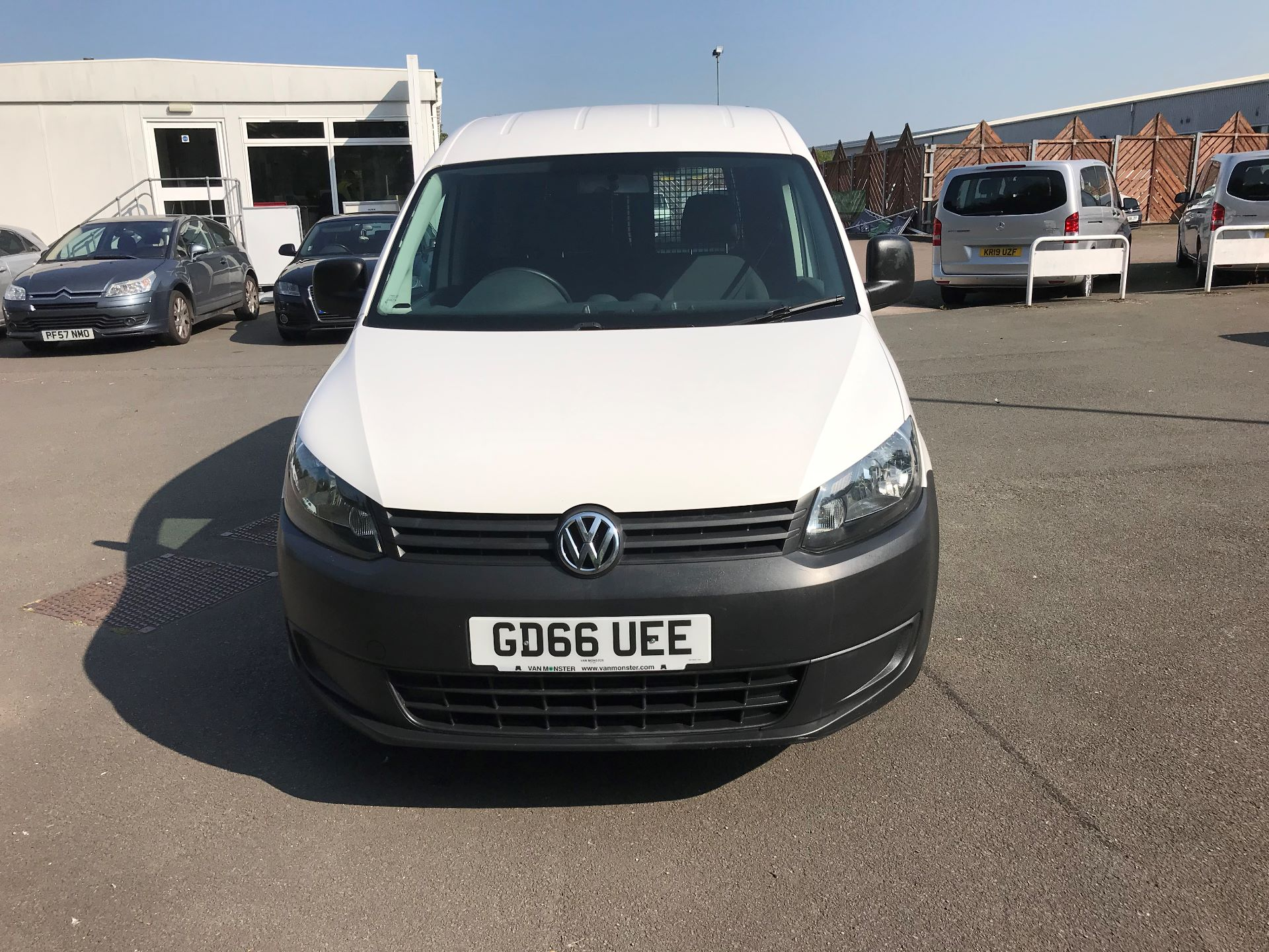 2016 Volkswagen Caddy  1.6 102PS STARTLINE EURO 5 (GD66UEE) Thumbnail 2