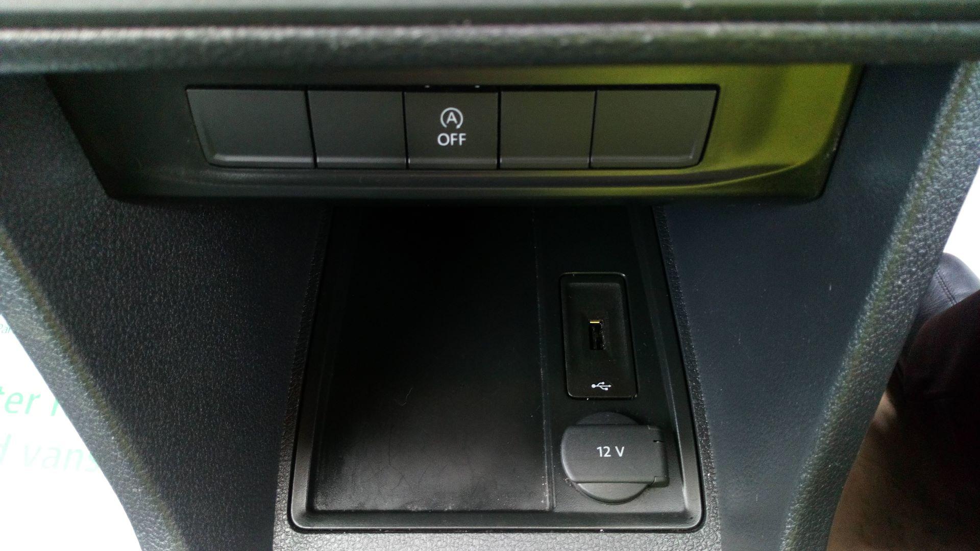 2017 Volkswagen Caddy 2.0 Tdi Bluemotion Tech 102Ps Startline Van (GD66XJK) Image 13