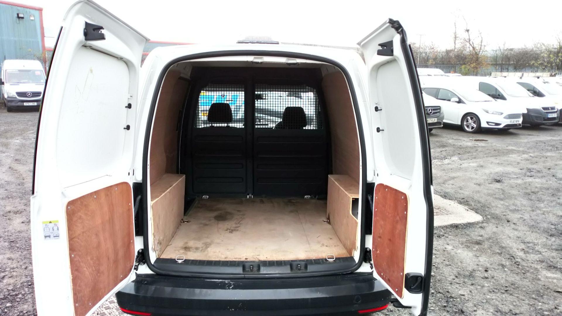 2017 Volkswagen Caddy 2.0 Tdi Bluemotion Tech 102Ps Startline Van (GD67AEC) Image 8