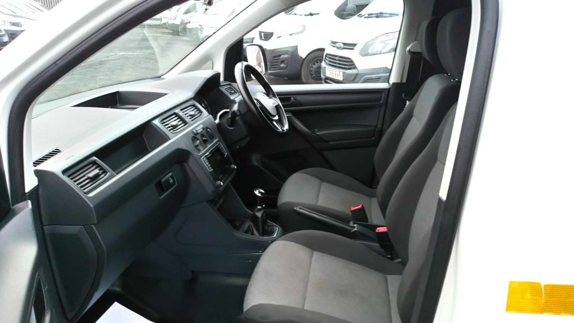 2017 Volkswagen Caddy 2.0 Tdi Bluemotion Tech 102Ps Startline Van (GD67AEC) Image 10