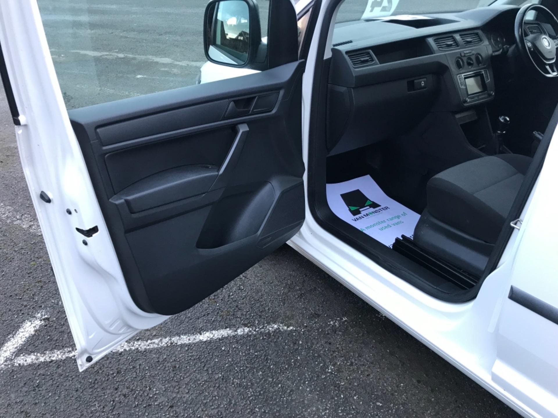 2017 Volkswagen Caddy 2.0 Tdi Bluemotion Tech 102Ps Startline Van Euro 6 (GD67AEF) Image 29