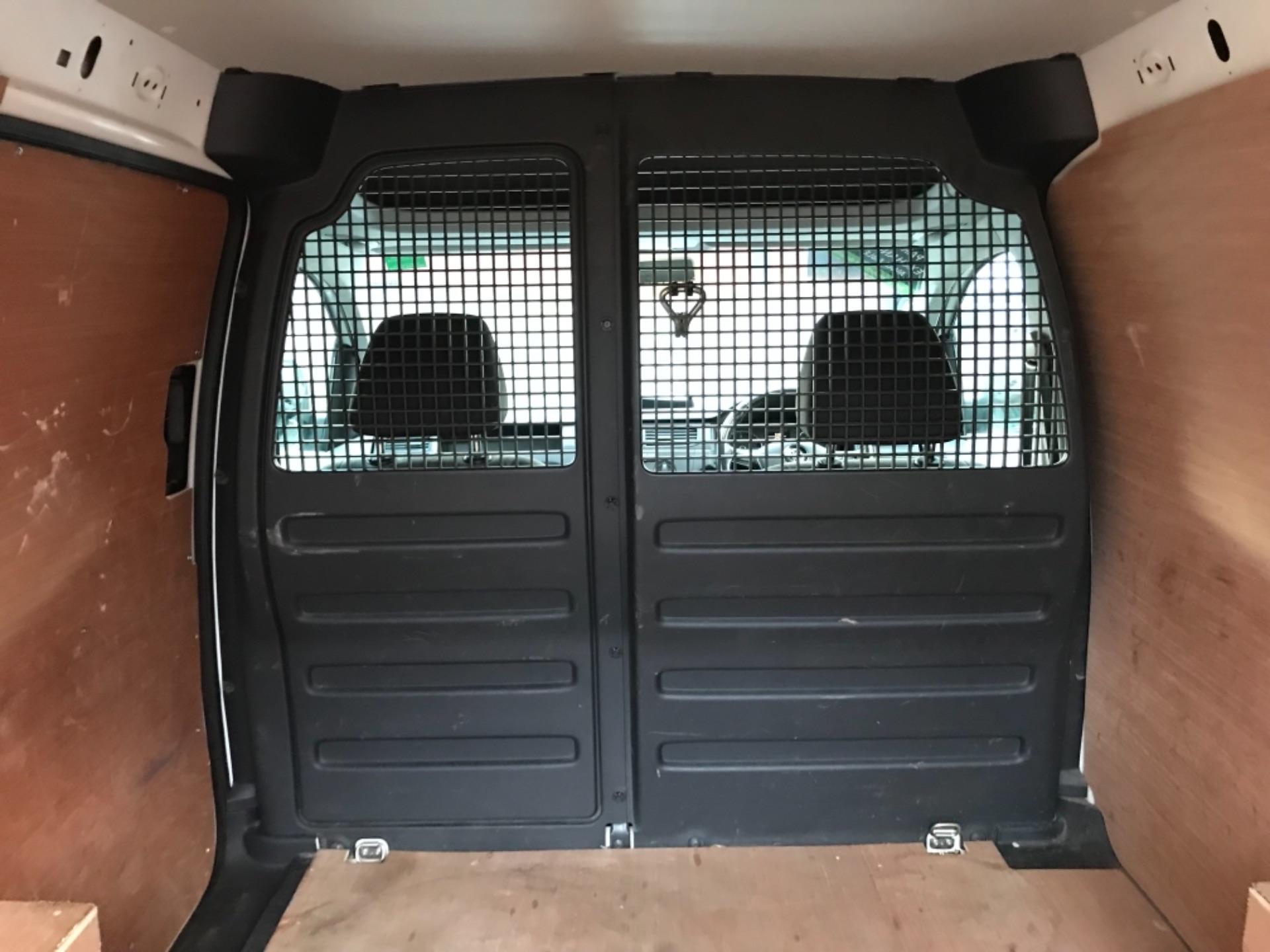 2017 Volkswagen Caddy 2.0 Tdi Bluemotion Tech 102Ps Startline Van Euro 6 (GD67AEF) Image 35